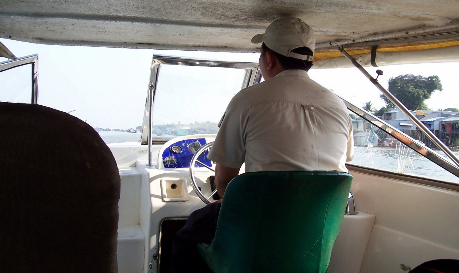 Blue Cruiser Speed Boat Chau Doc (Victoria Hotel) – Phnom Penh