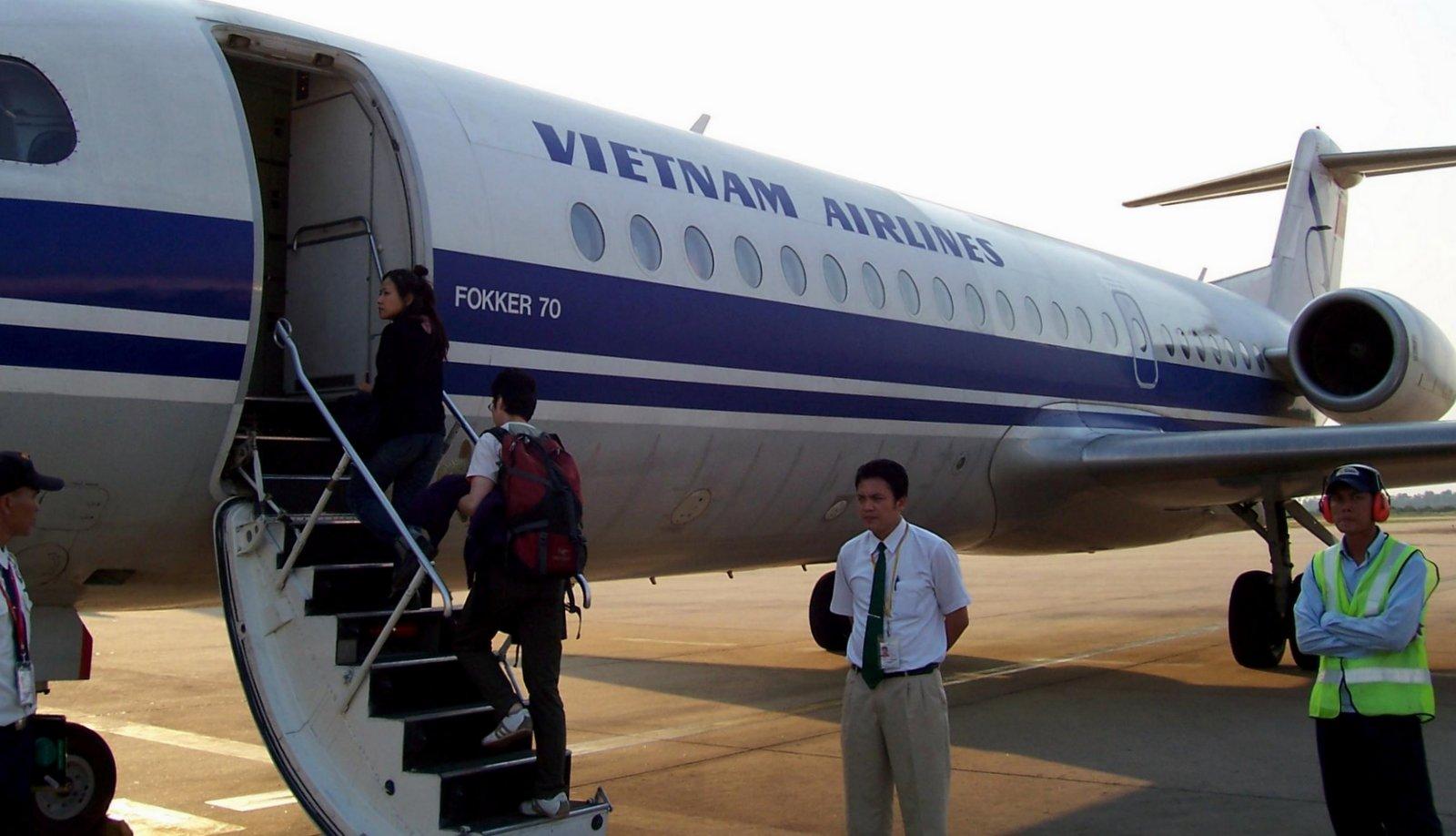 Vietnam Airlines Fokker 70