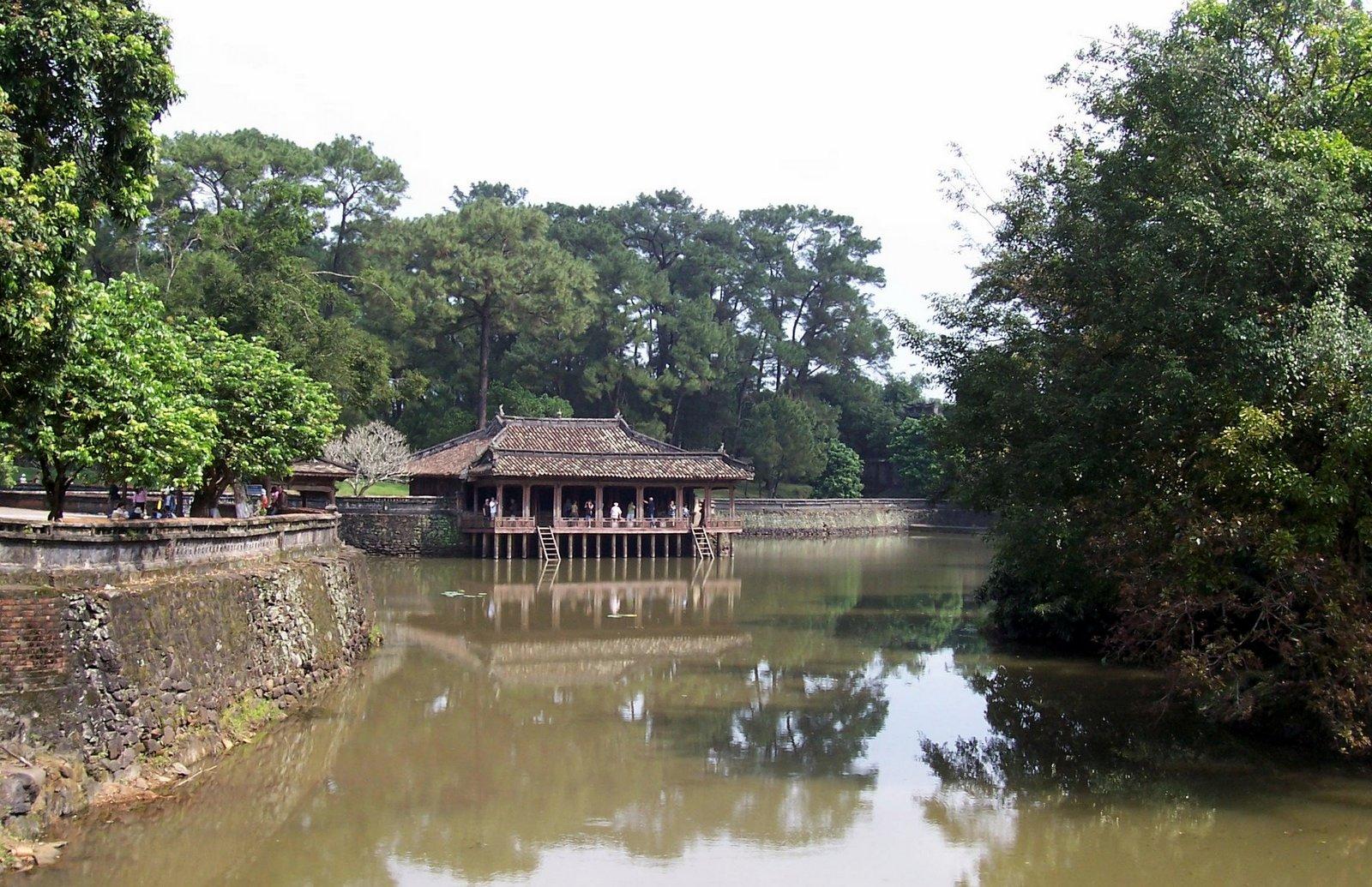 Xung Khiem Pavillon