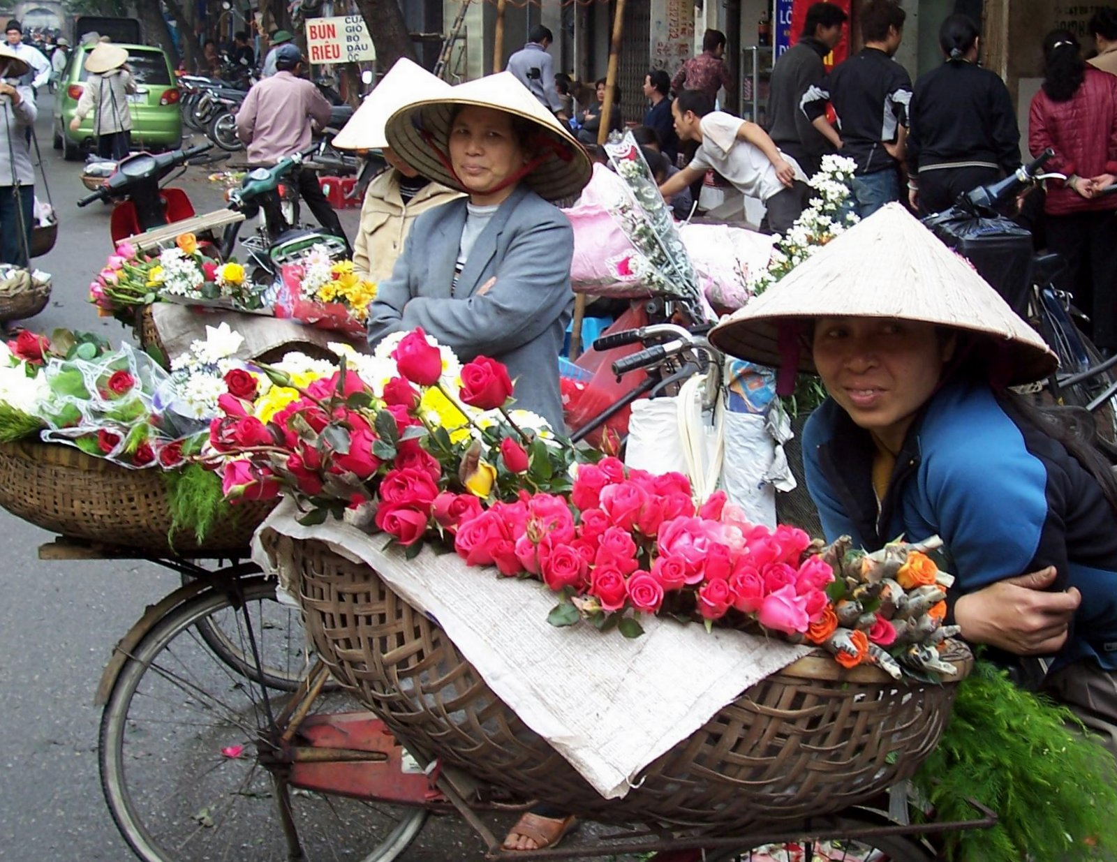 Blumenfrauen in Hanoi