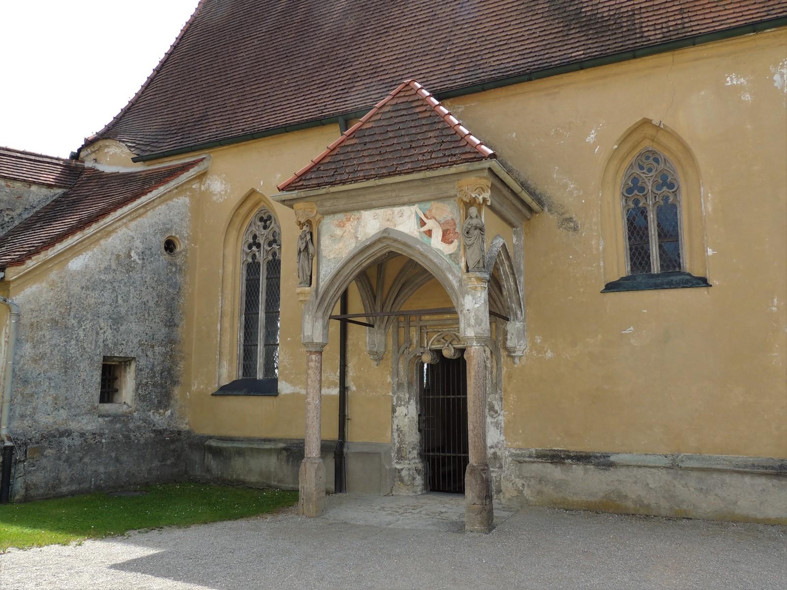Burghausen - Burg - Vorbau der Hedwigskapelle