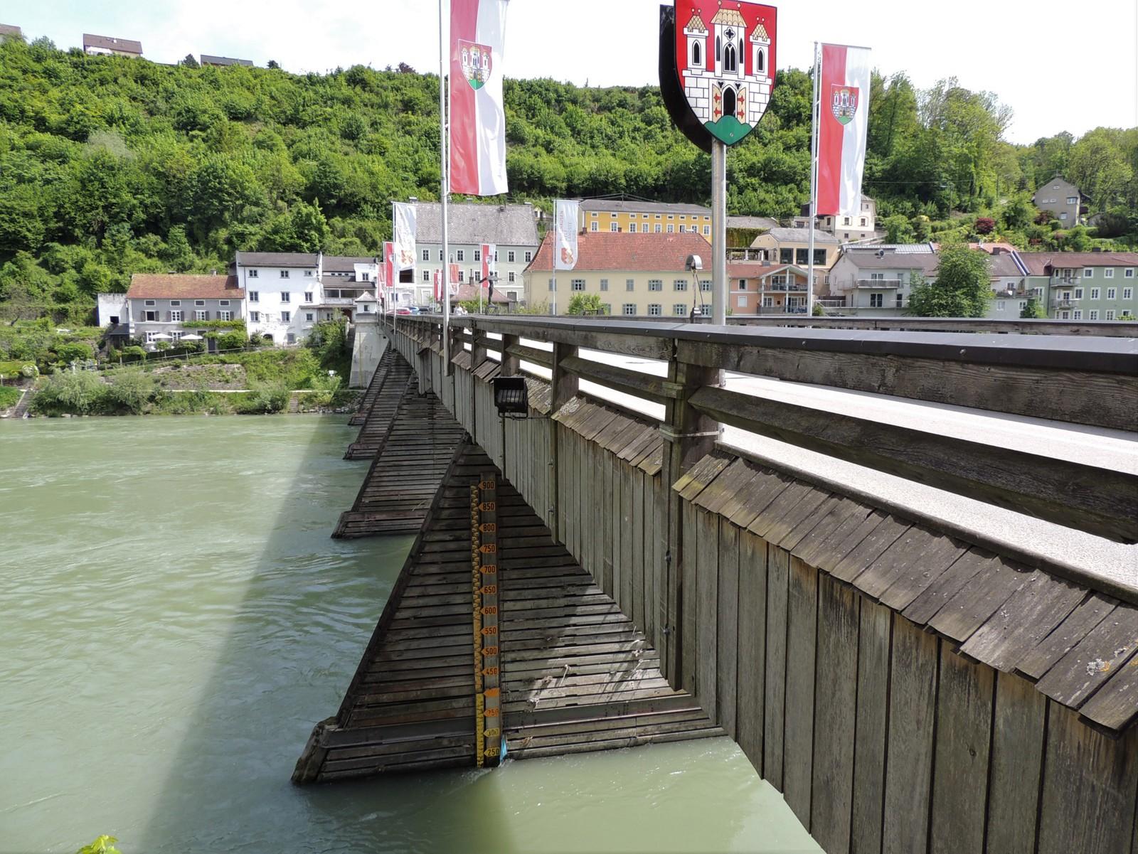 Burghausen - Alte Brücke über die Salzach