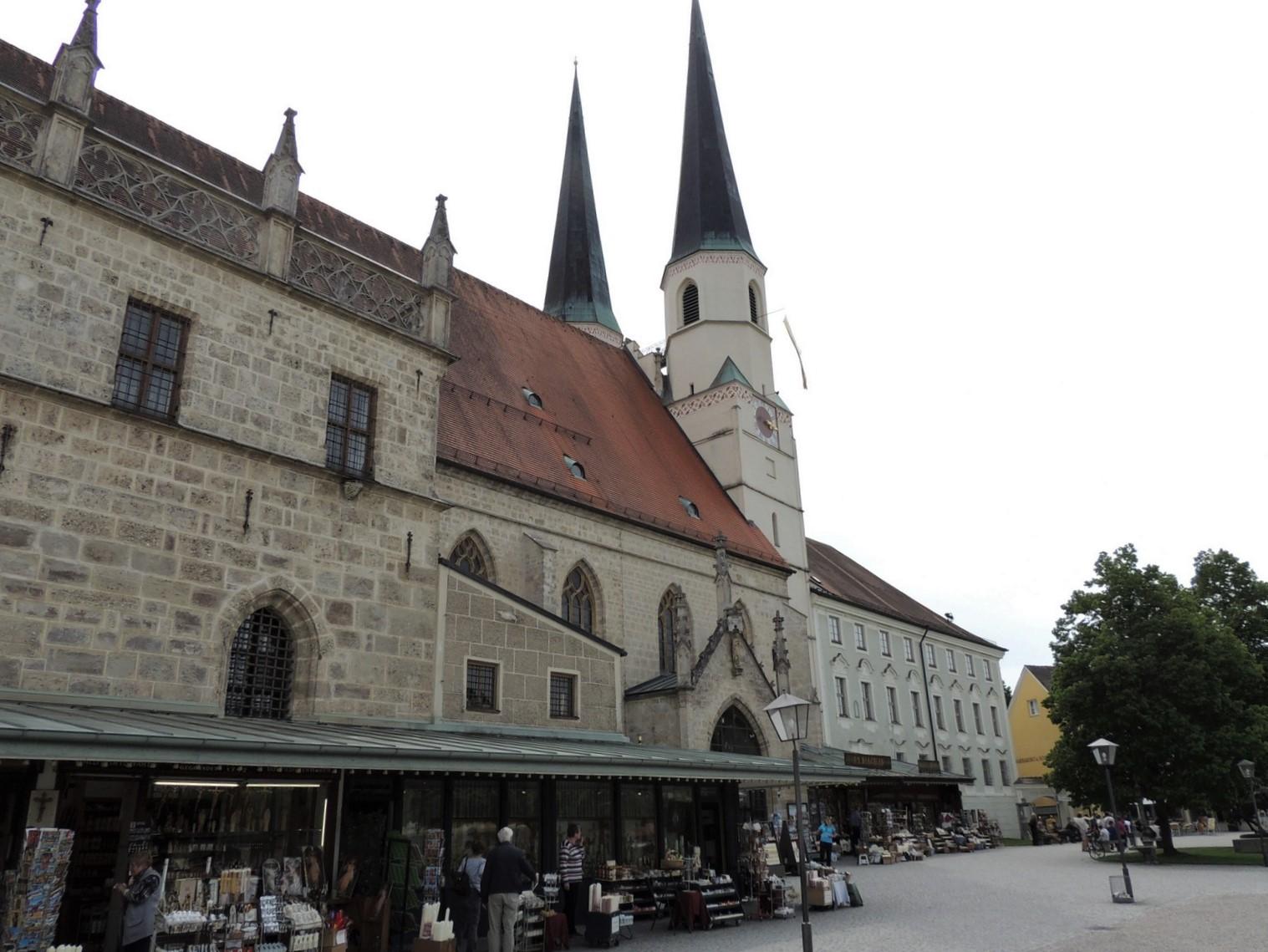 Stiftspfarrkirche Altötting