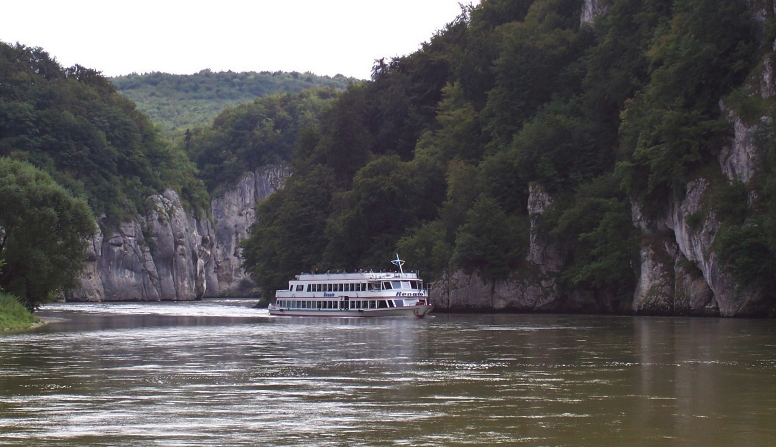Schifffahrt im Donaudurchbruch