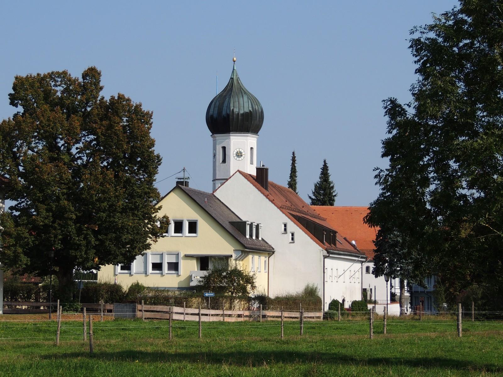Grünwald-Rundkurs Baierbrunn - alte Kirche St. Peter und Paul (heute: Patrona Bavariae)