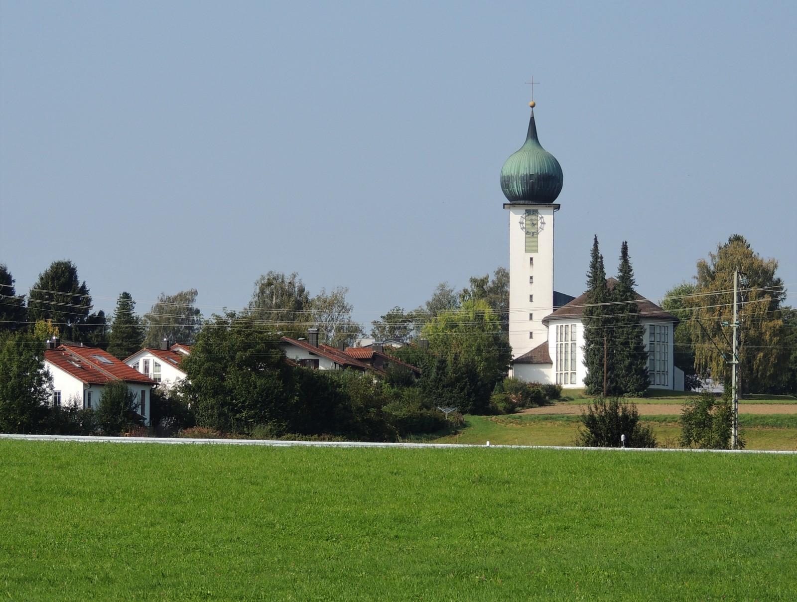 Grünwald-Rundkurs Baierbrunn - neue Kirche St. Peter und Paul