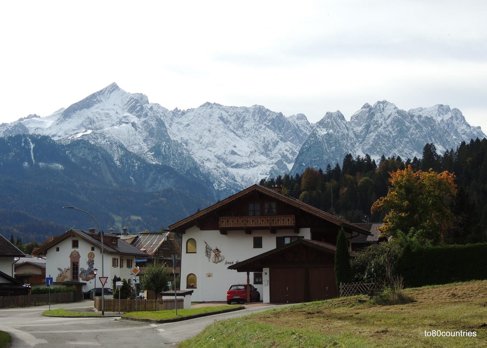 Am Sonnenbichl - Alp- und Zugspitzblick