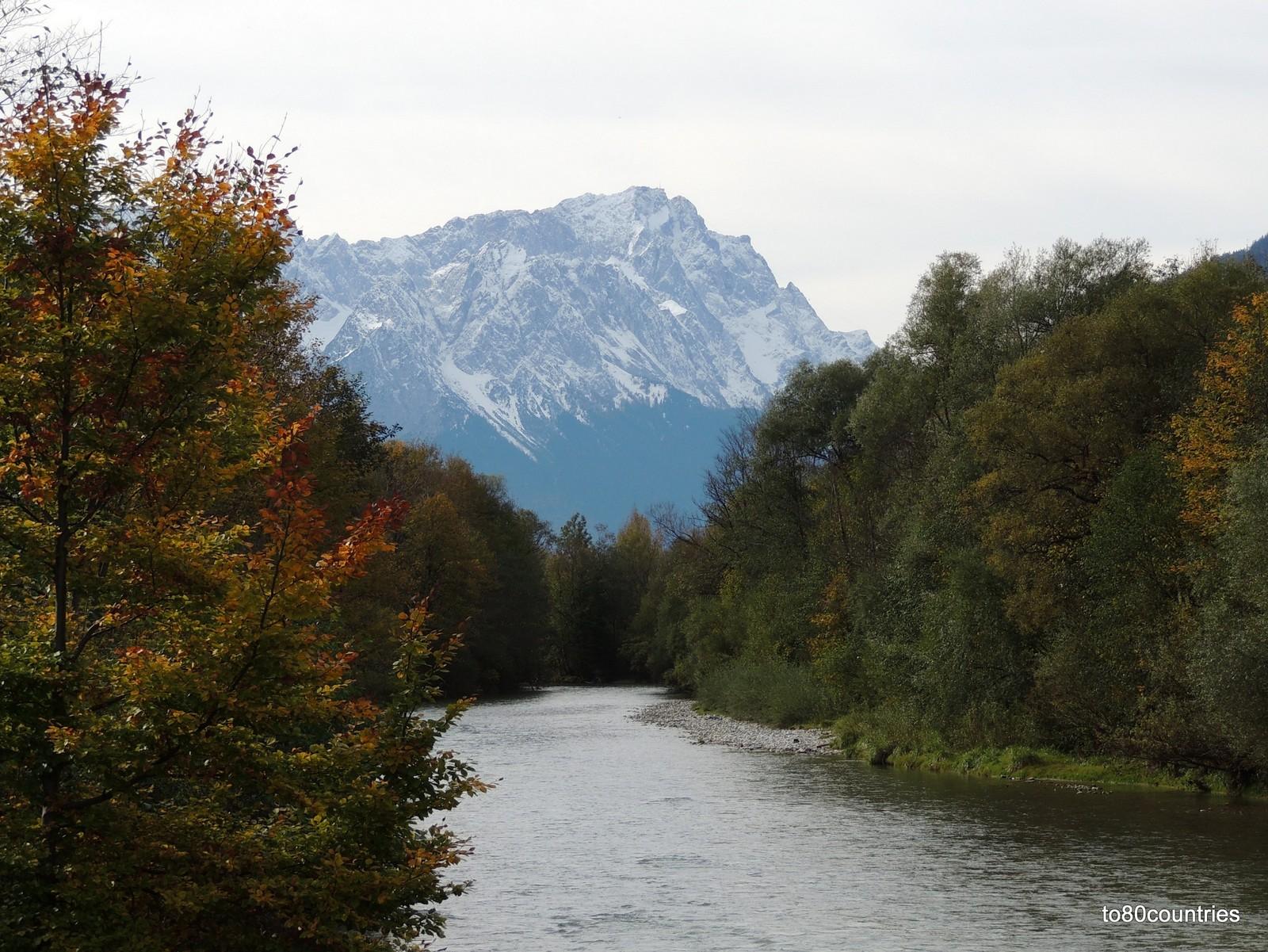 Loisach mit Zugspitze