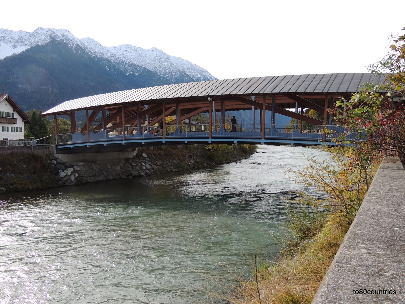 Neue Loisachbrücke in Eschenlohe