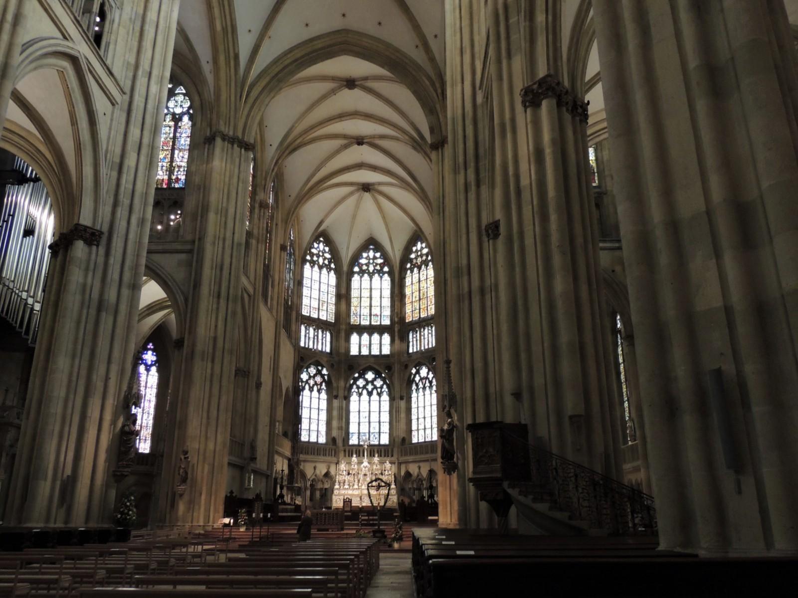 Regensburg - Innenraum des Doms St. Peter