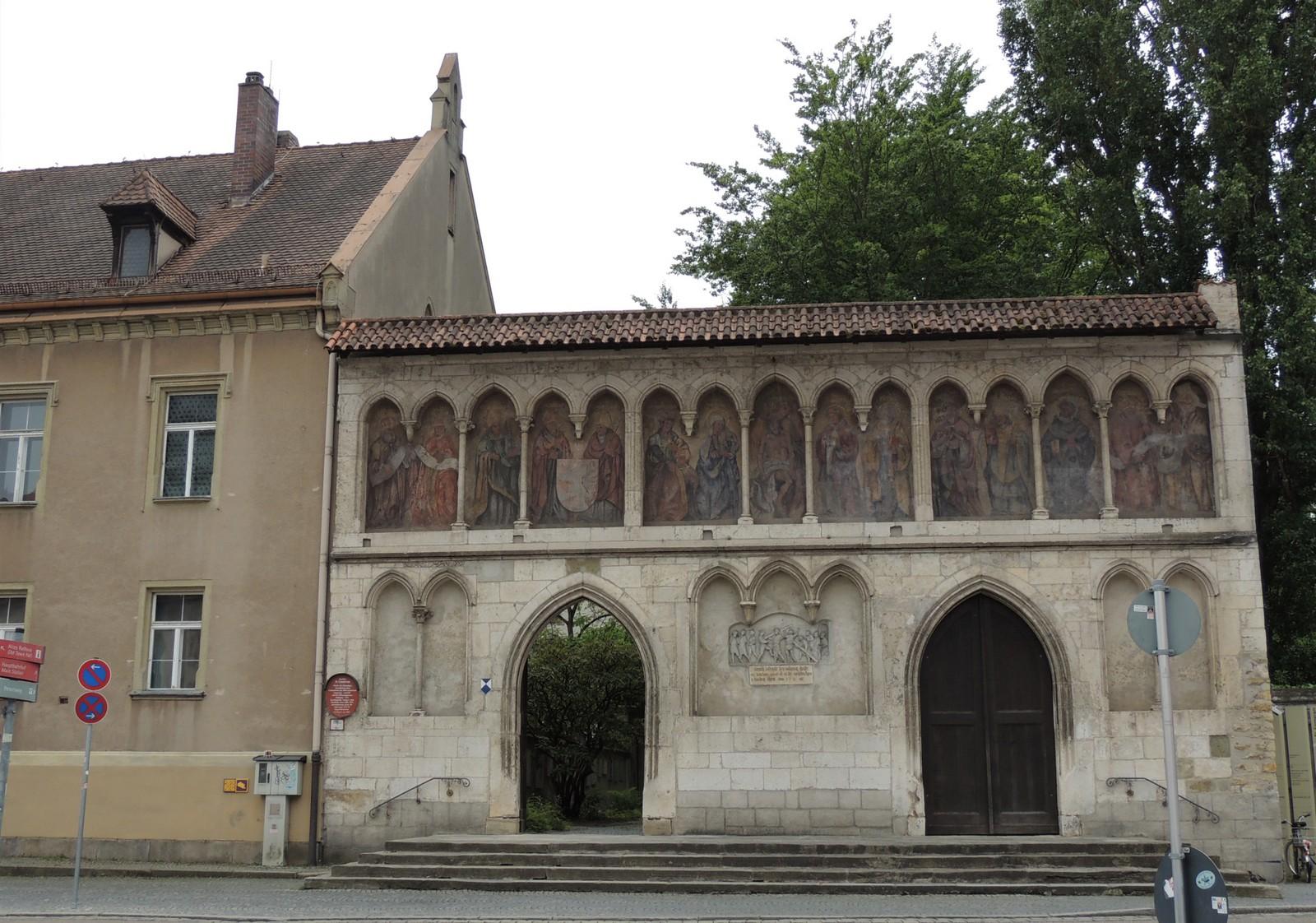 Regensburg - Äußere Torwand des Klosters St. Emmeram