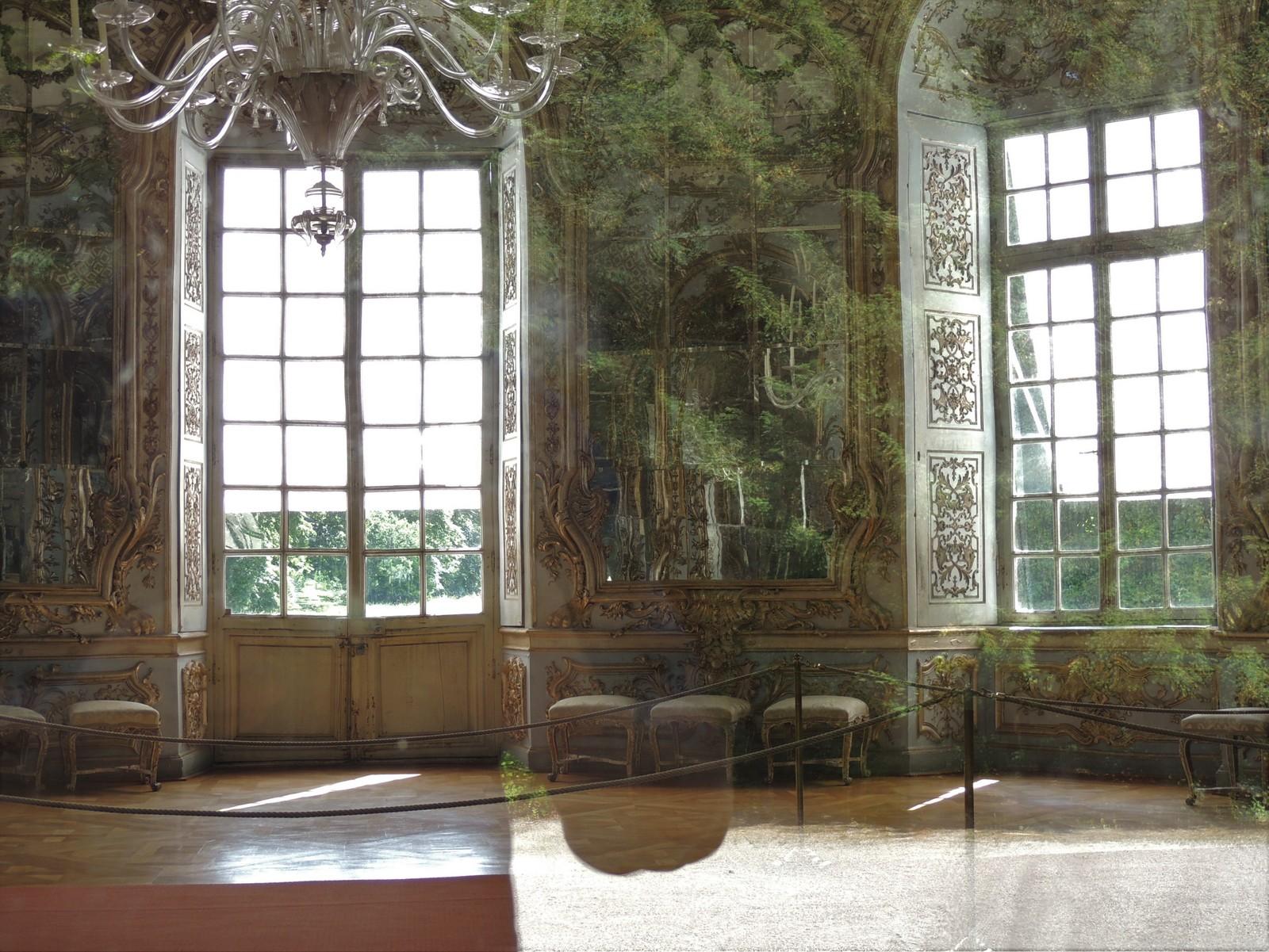 Spiegelsaal in der Amalienburg im Schlosspark Nymphenburg