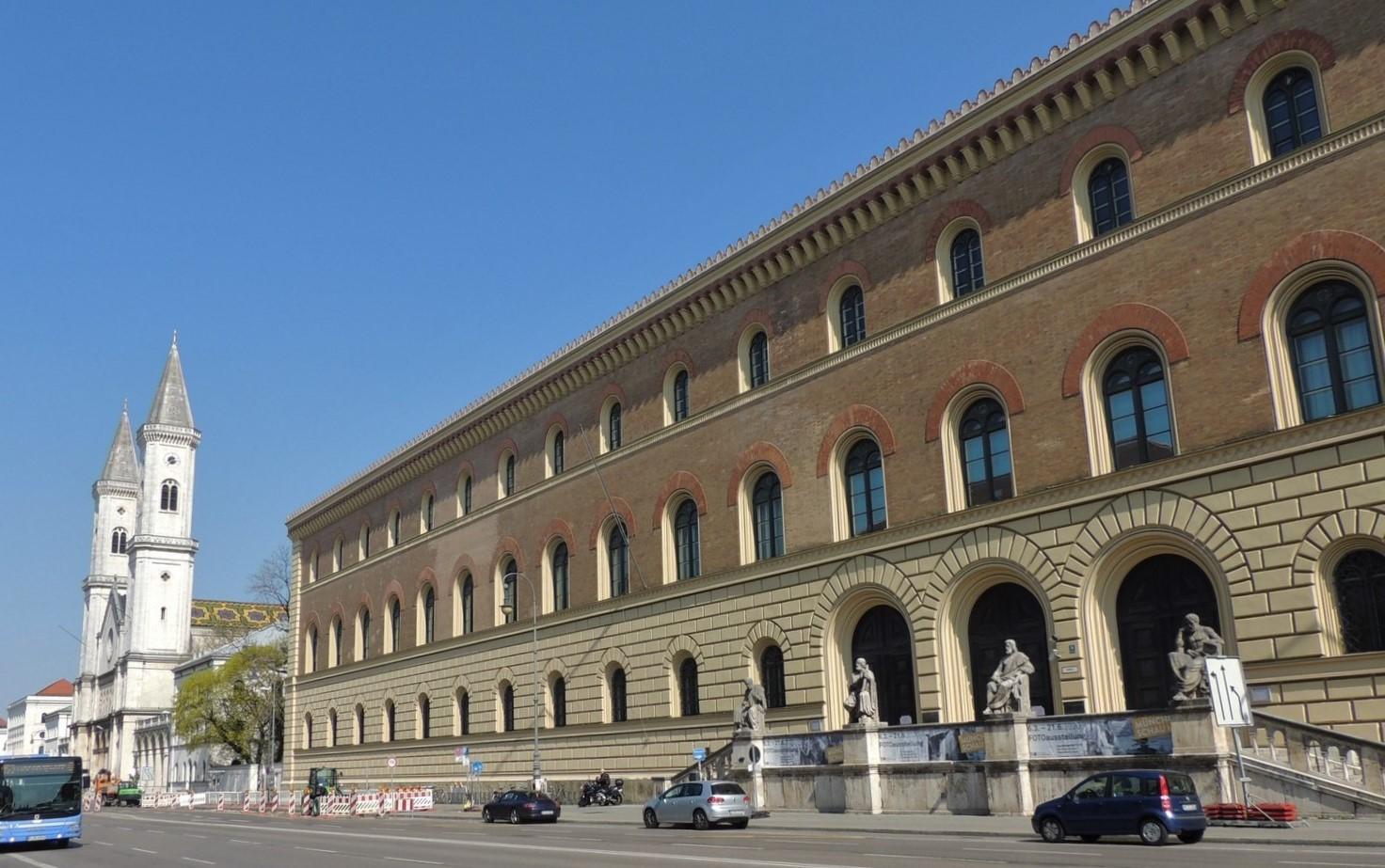 Gebäude der Bayerischen Staatsbibliothel - Ludwigstraße - im Auftrag von Ludwig I. durch Friedrich Wilhelm Gärtner erbaut