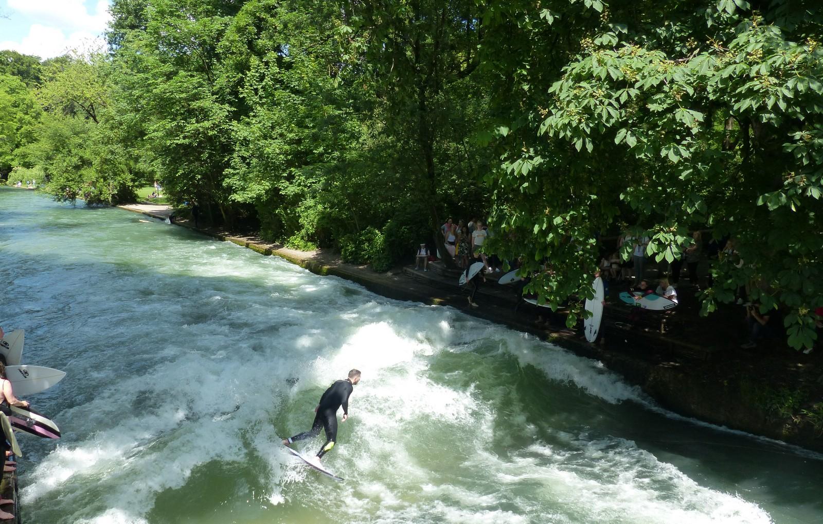Der Englische Garten - am Eisbach