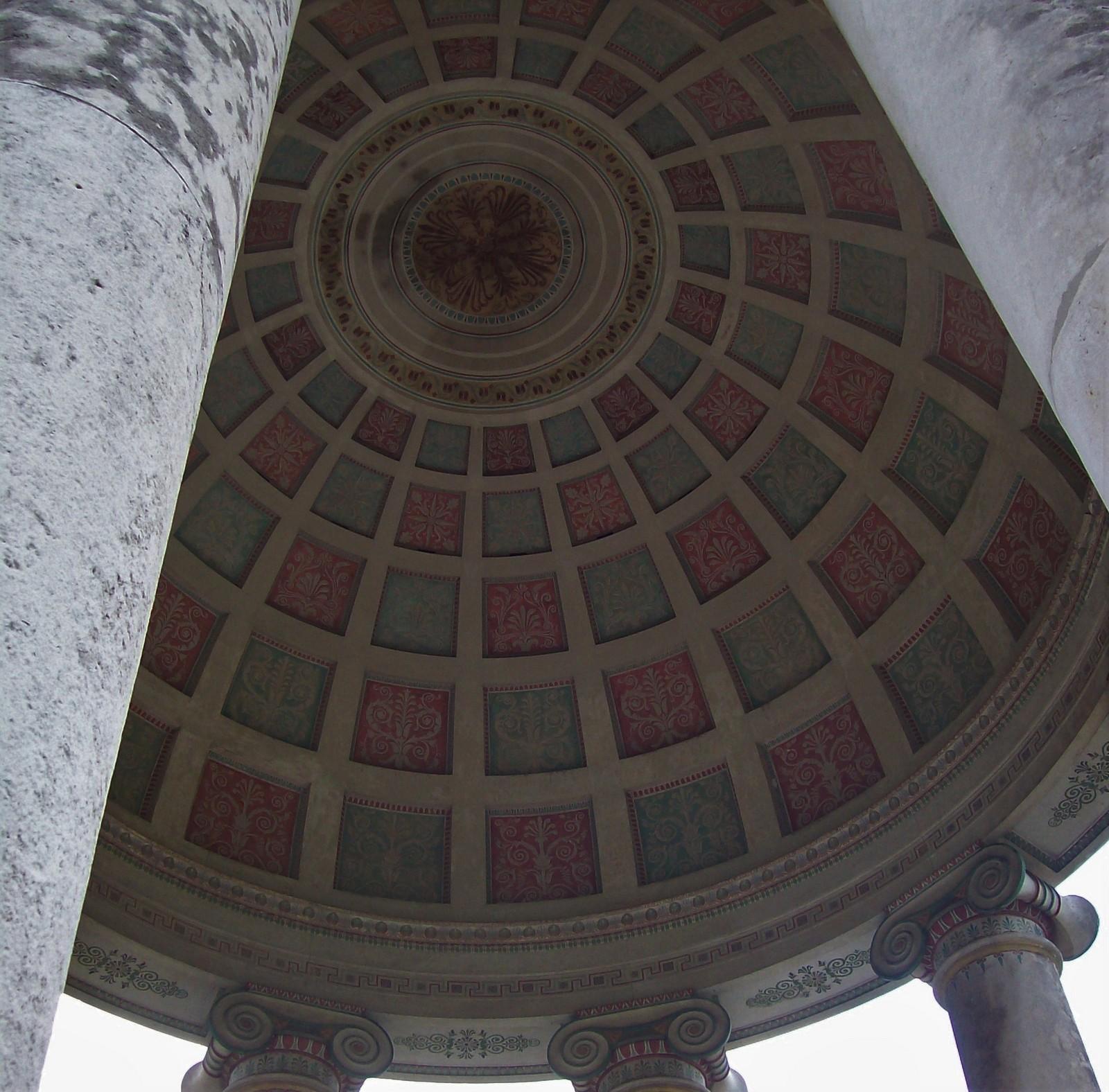 Der Englische Garten - Kuppel vom Monopteros