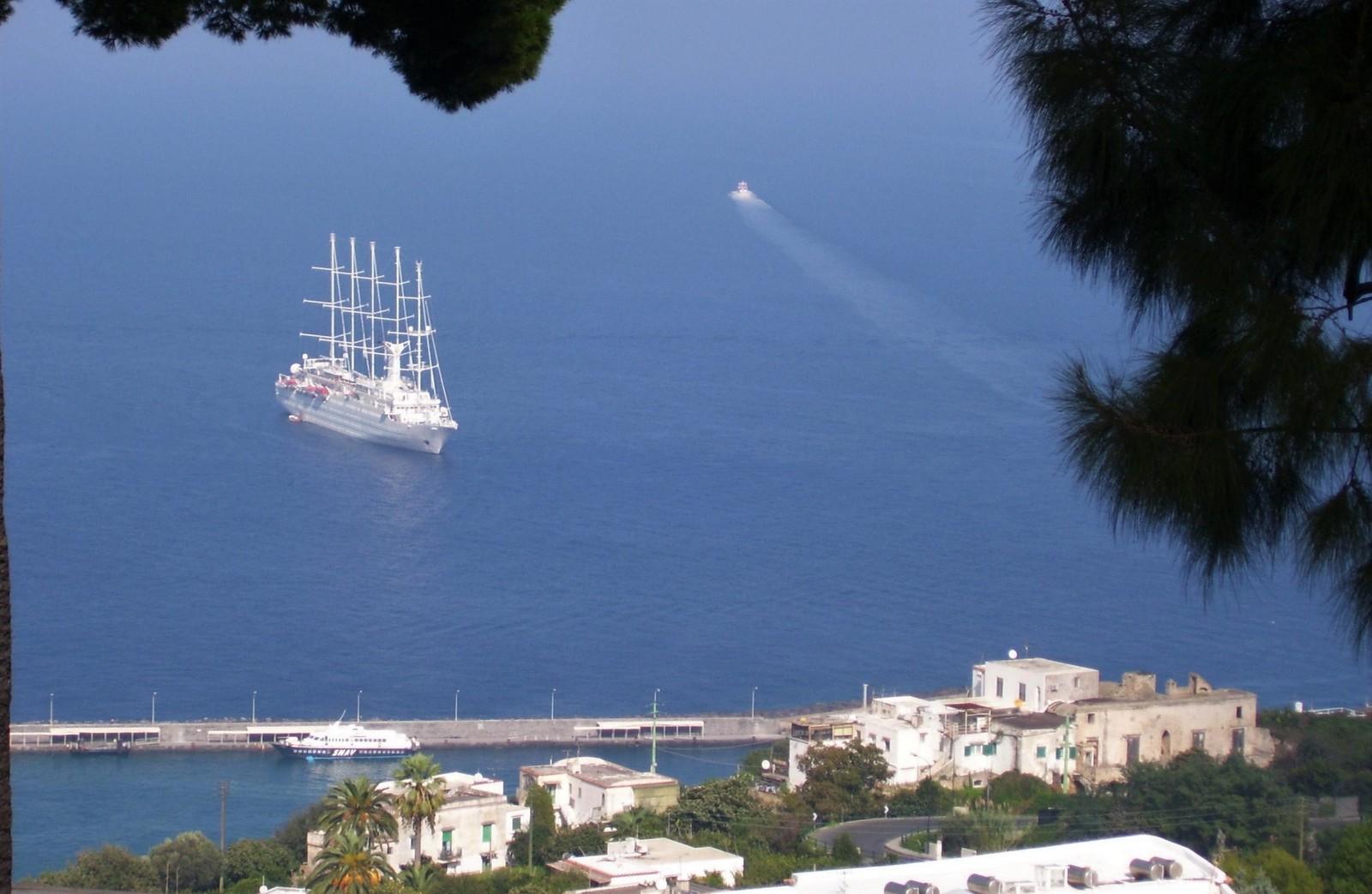 An der Amalfitana - Schiff Club Med 2