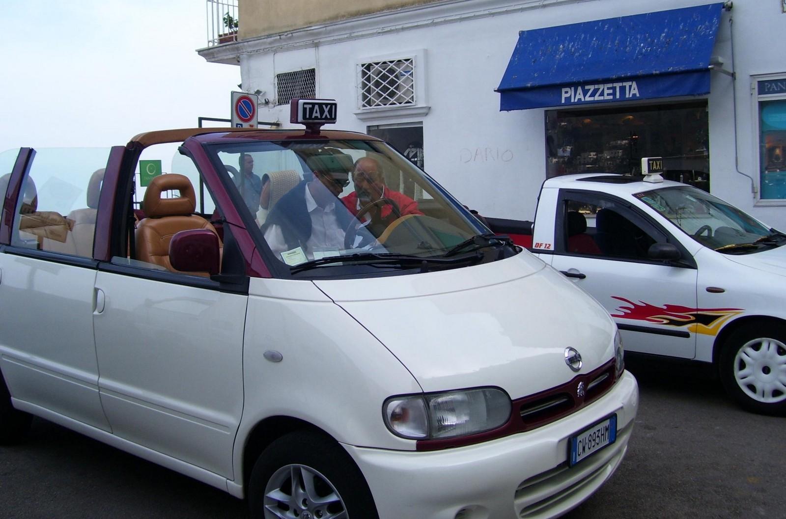 Capri - Taxis auf der Piazzetta