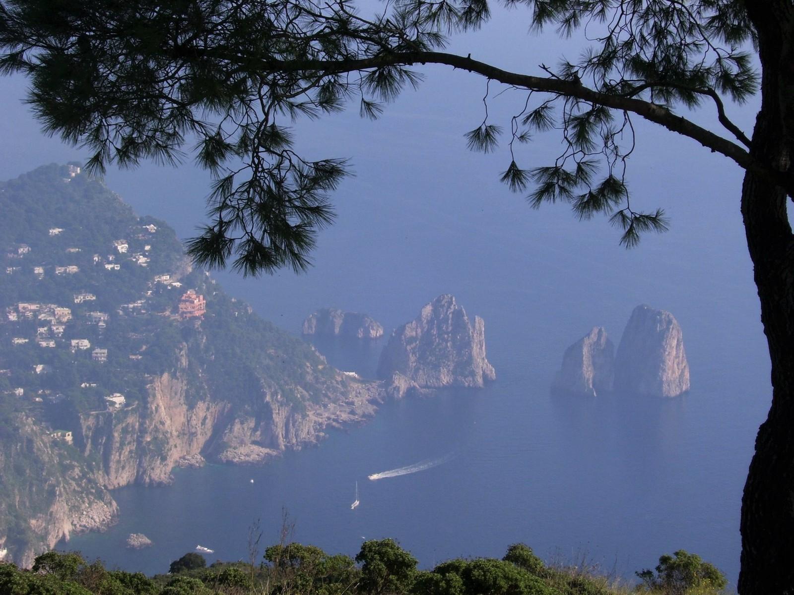 Aussicht vom Monte Solano auf Capri