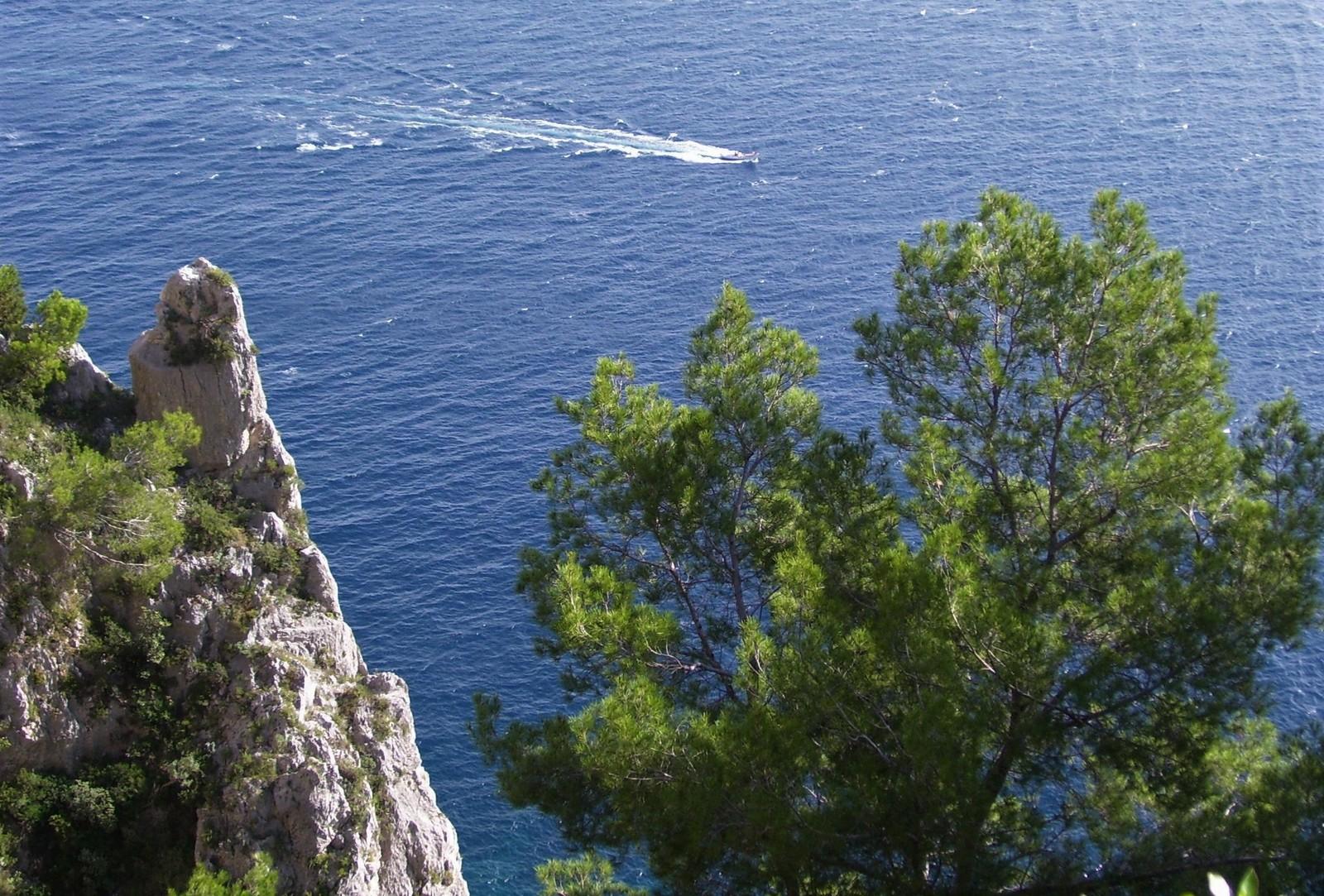 Wanderweg im Osten von Capri