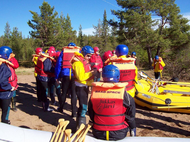 Raftingvorbereitungen am Torneälv - Lappland