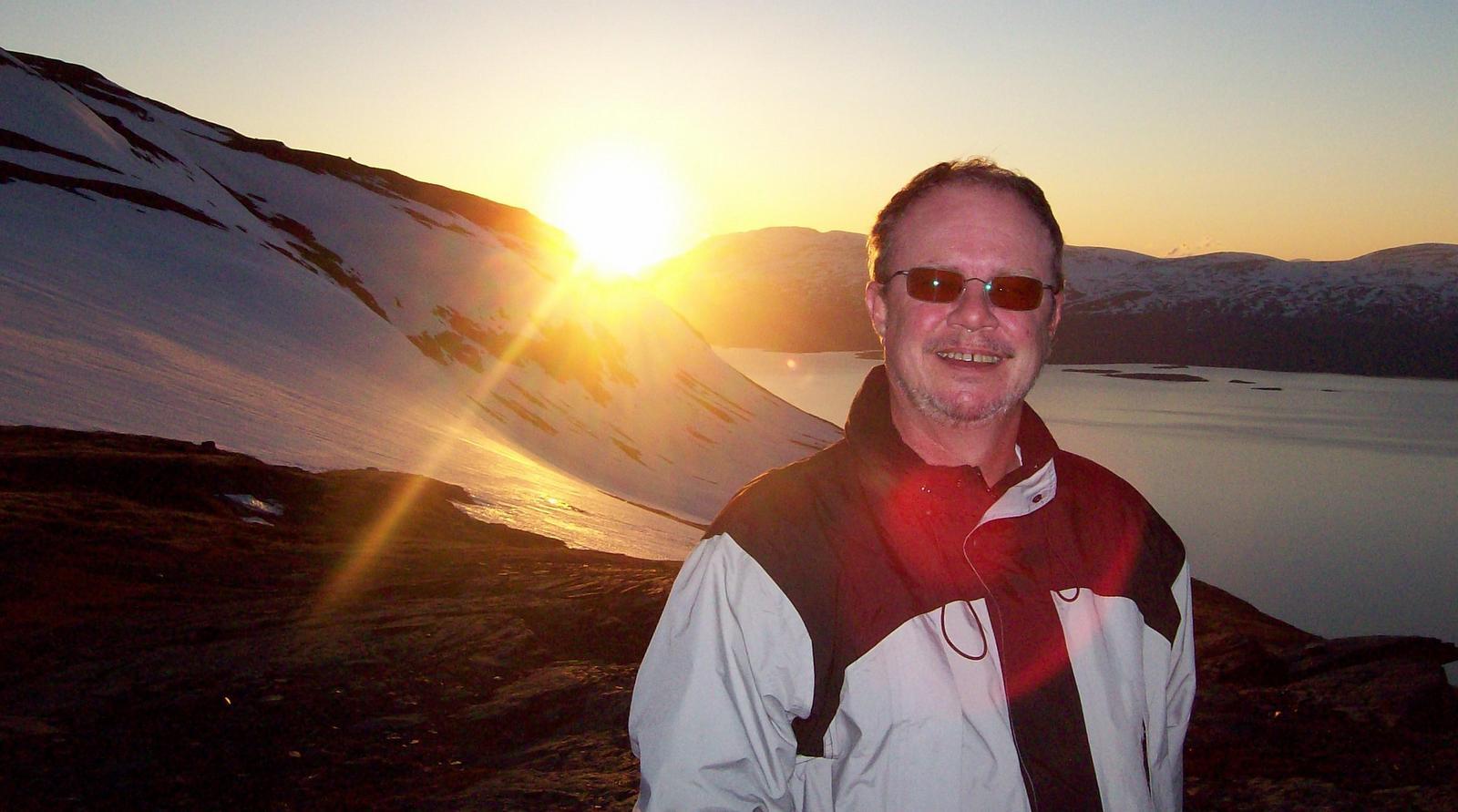 Mitternachtssonne auf dem Berg Noulja - Lappland - der Autor