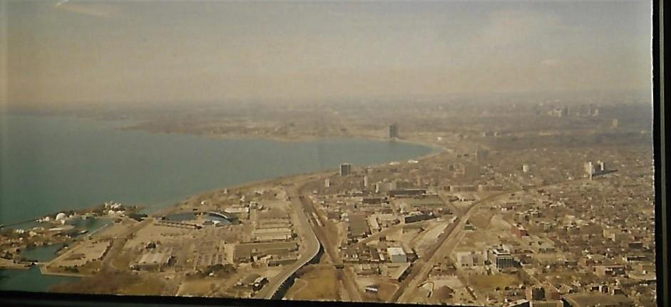CN-Tower Toronto - Blick auf den Ontariosee