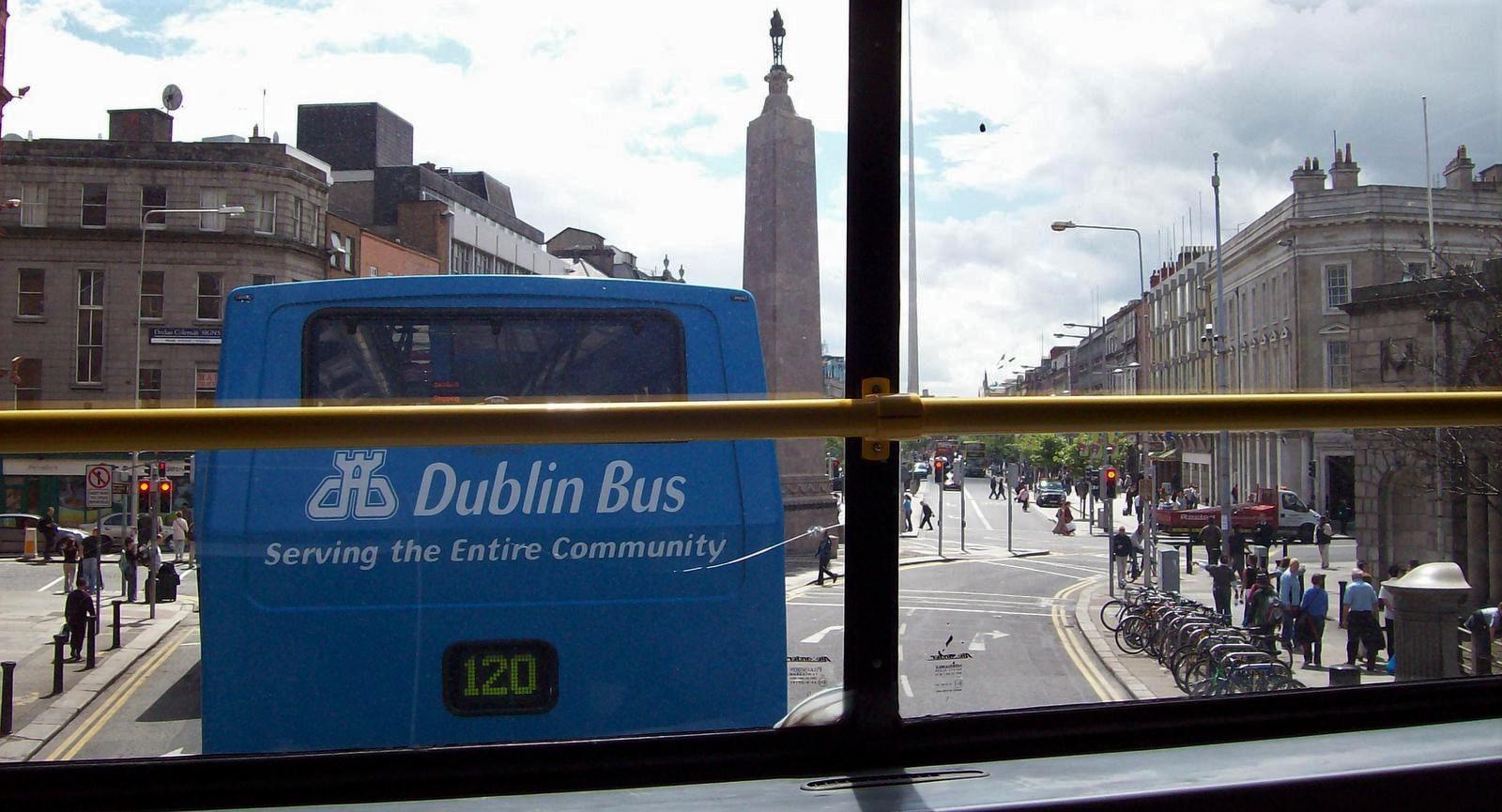 Dublins Busse am Parnell Square