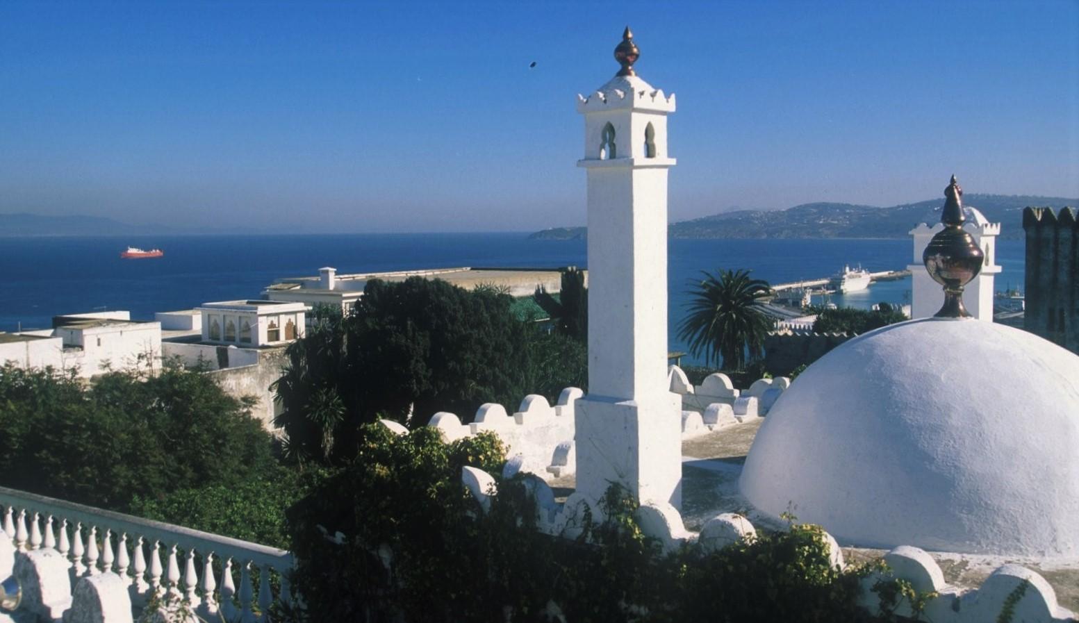 Tanger mit Blick auf den Hafen