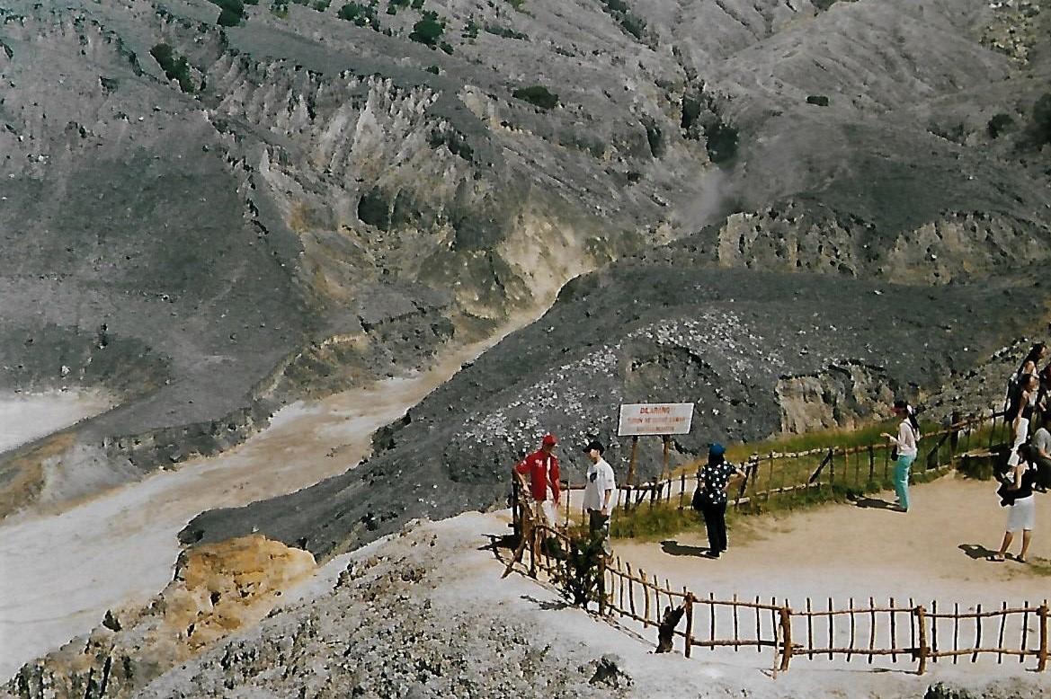 Vulkan Tangkuban Perahu auf Java