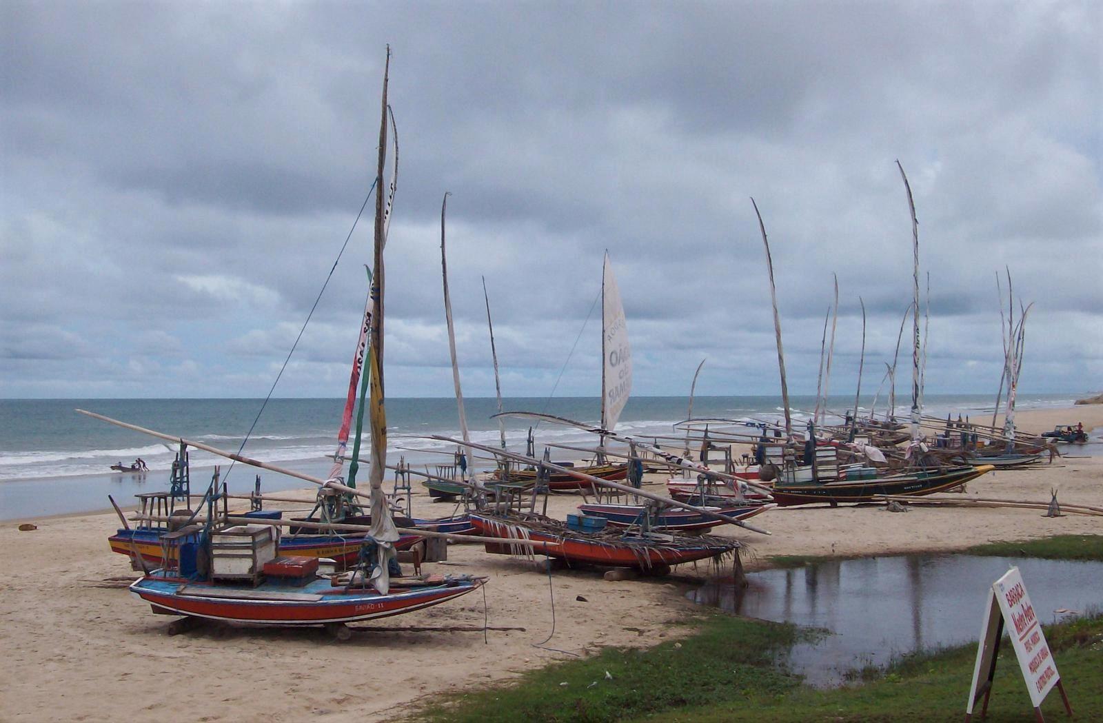 Segelboote am Praia de Morro Branco