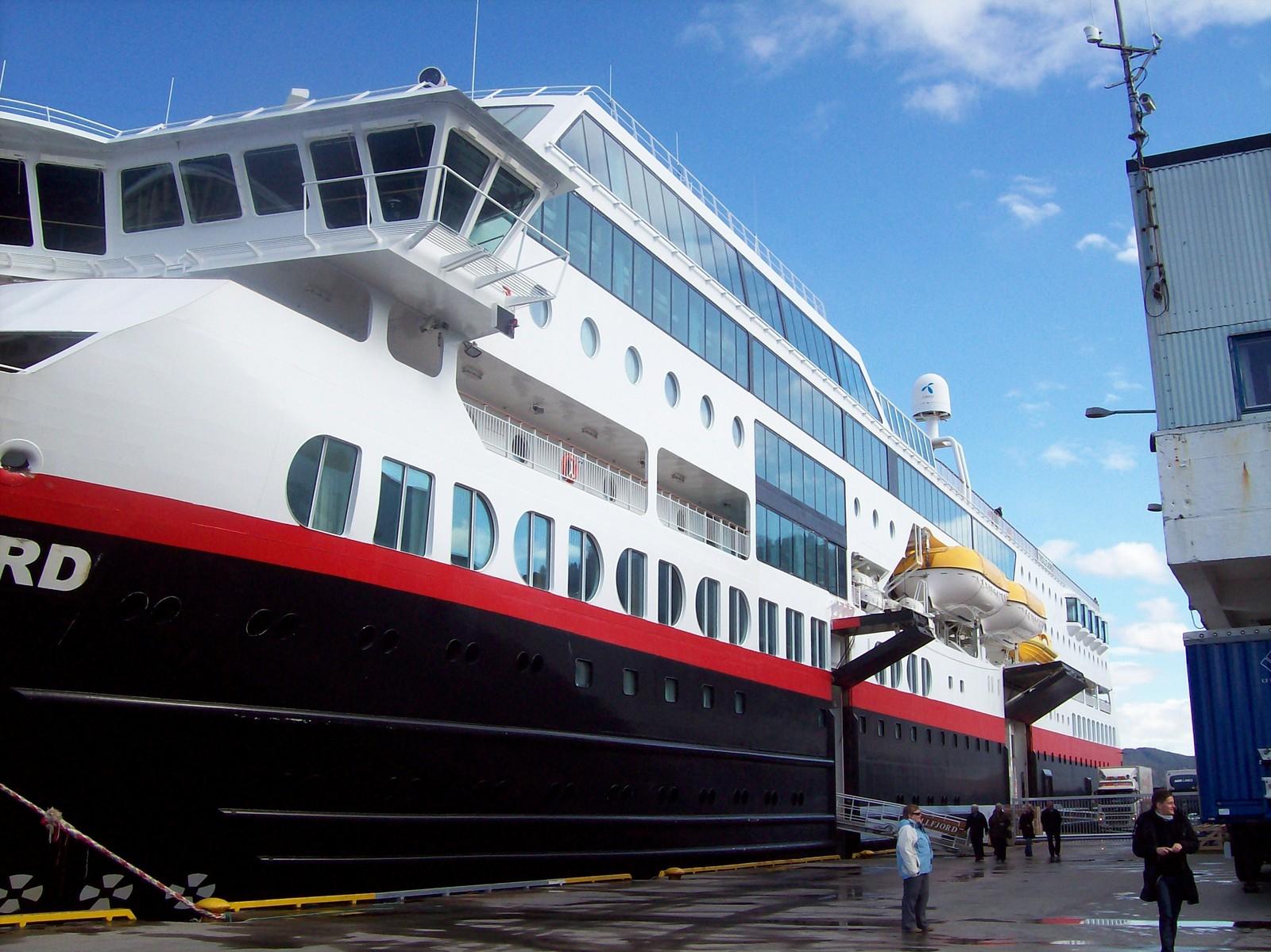 Hurtigruten - MS Trollfjord -