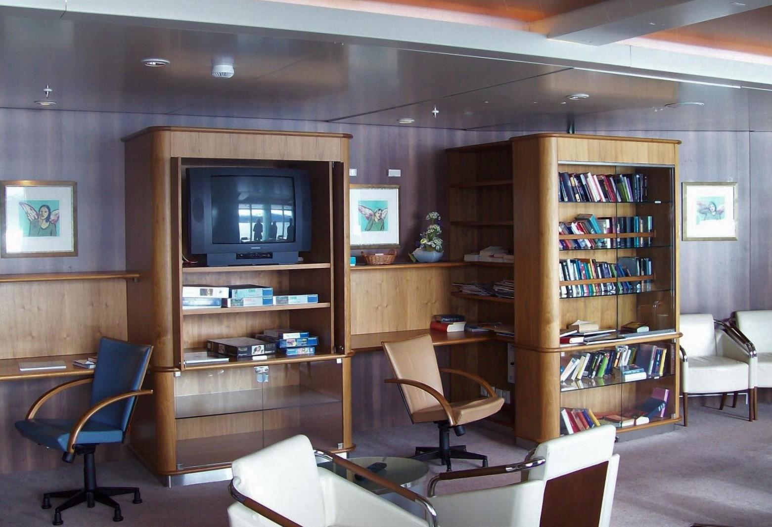 Hurtigruten - MS Trollfjord - Bibliothek