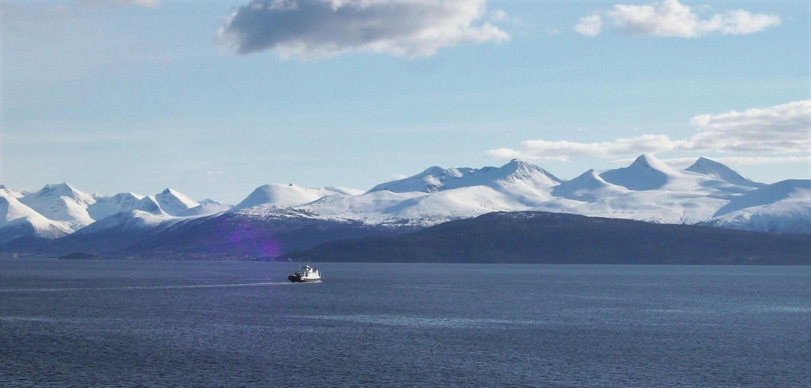 Hurtigruten - MS Trollfjord - Blick auf die Romsdalsalpen