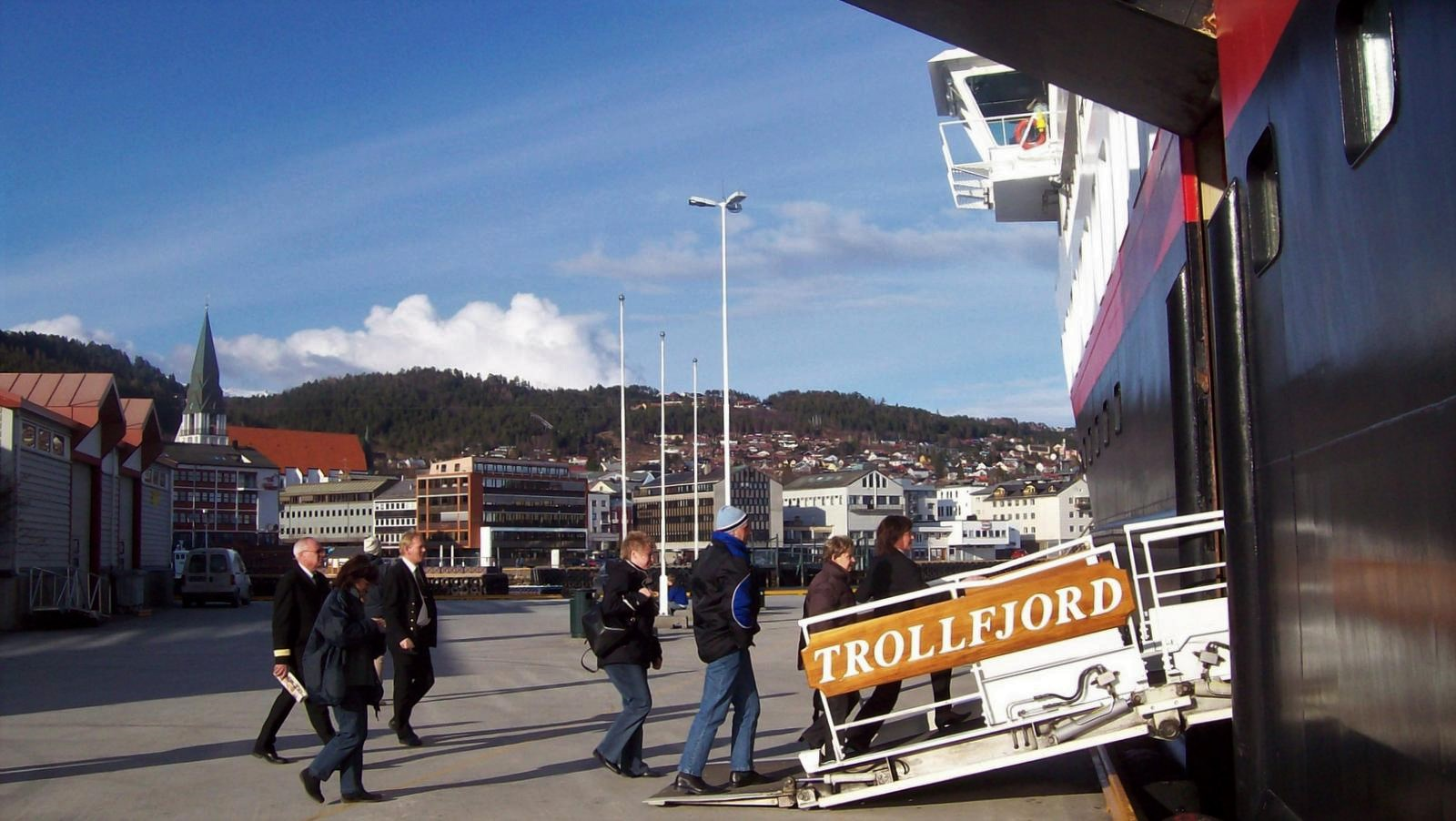 Hurtigruten - MS Trollfjord in Molde