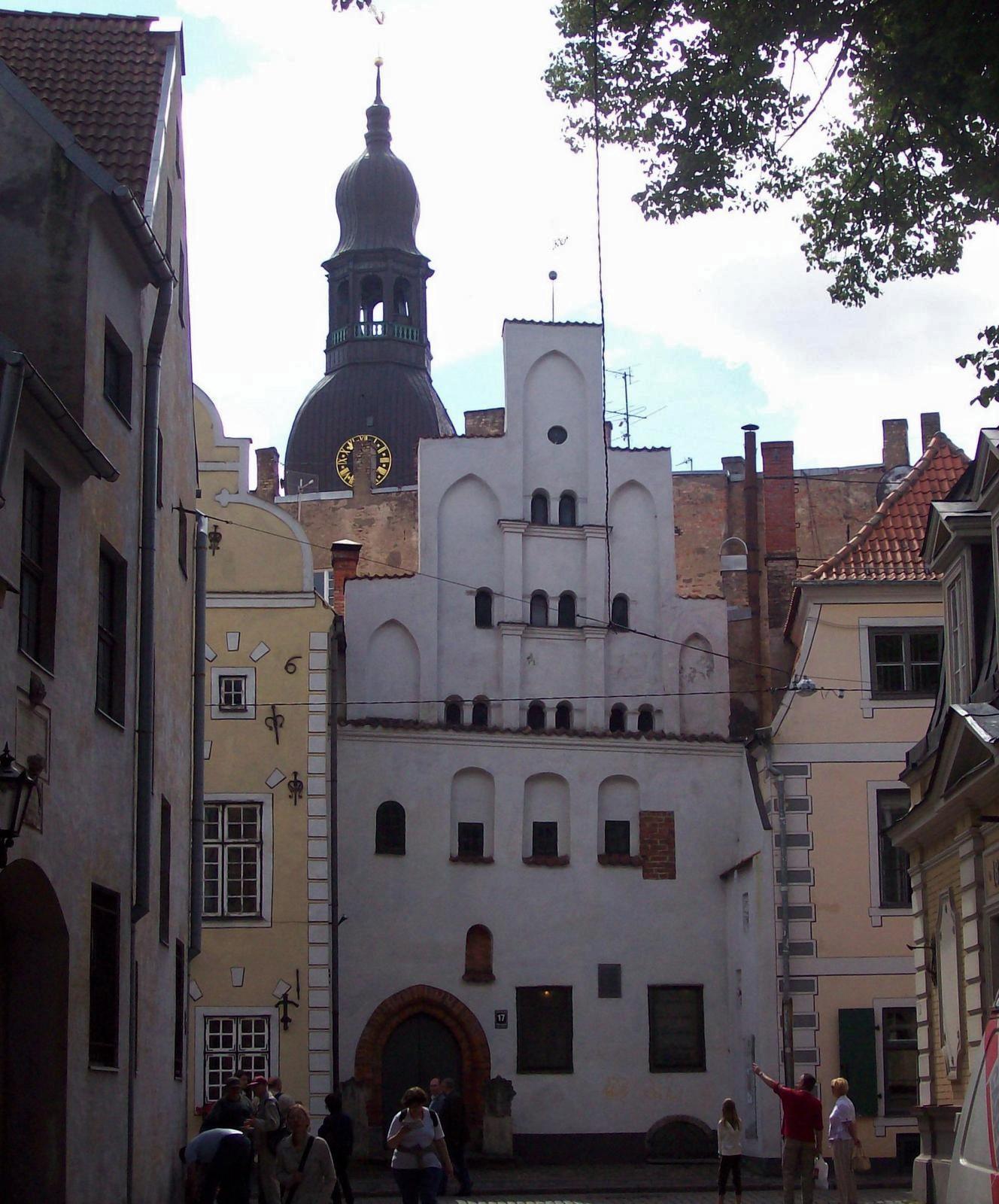 Ensemble Drei Brüder, Riga
