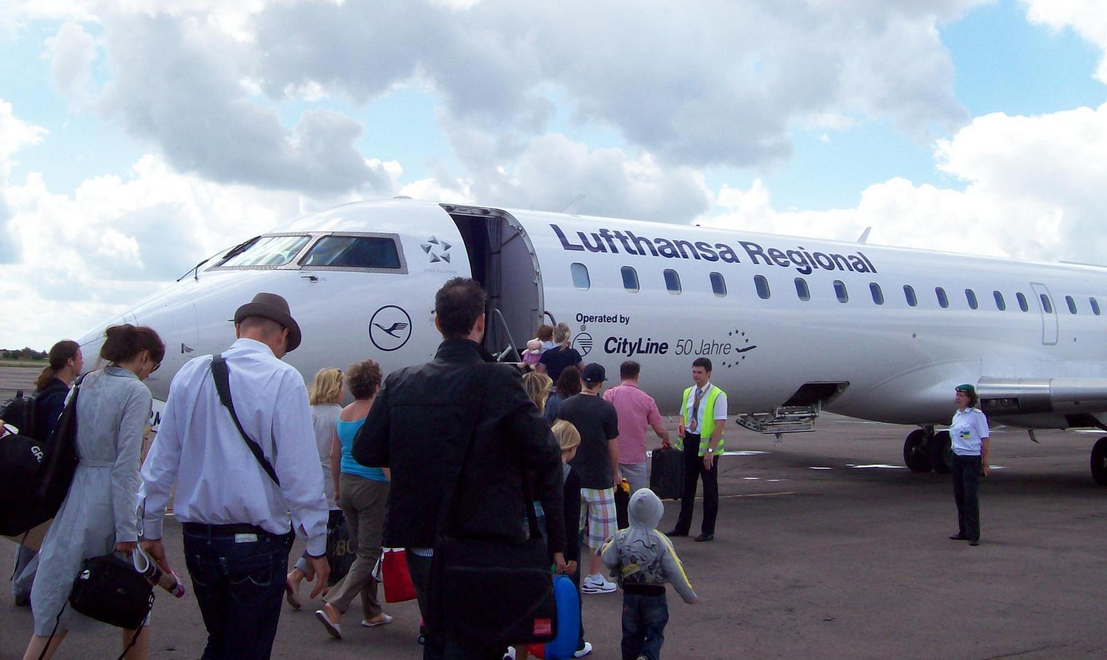 Lufthansa Regional auf dem Flughafen von Lemberg