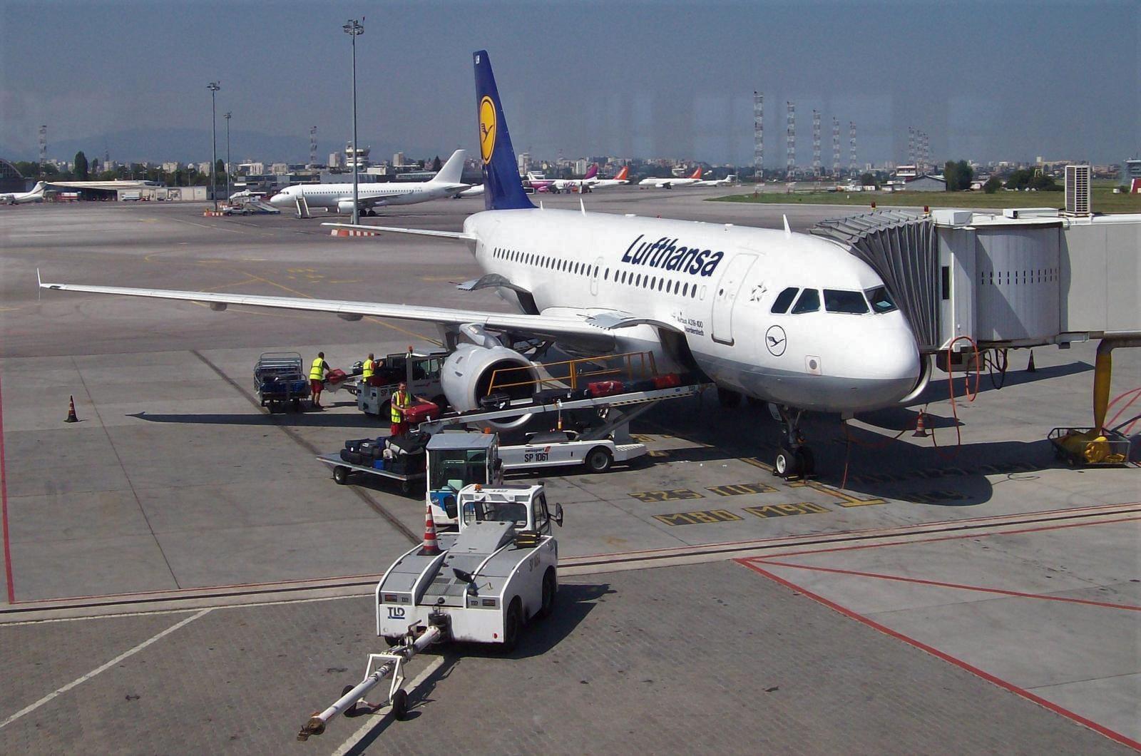 Lufthansa auf dem Flughafen Sofia