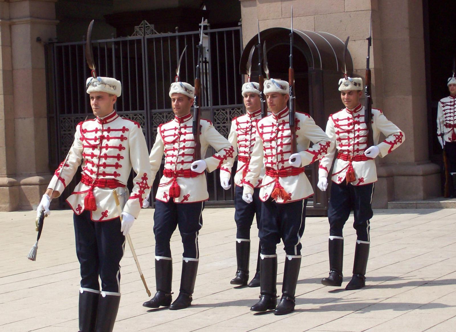 Wache vor dem Präsidentenpalast in Sofia
