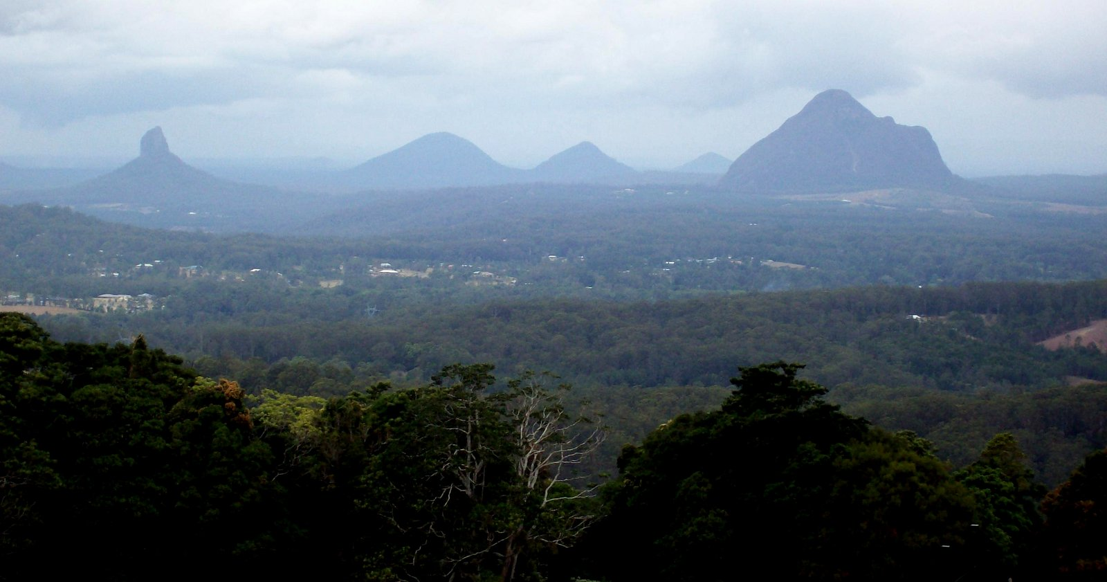 Glasshouse Mountains - Queensland