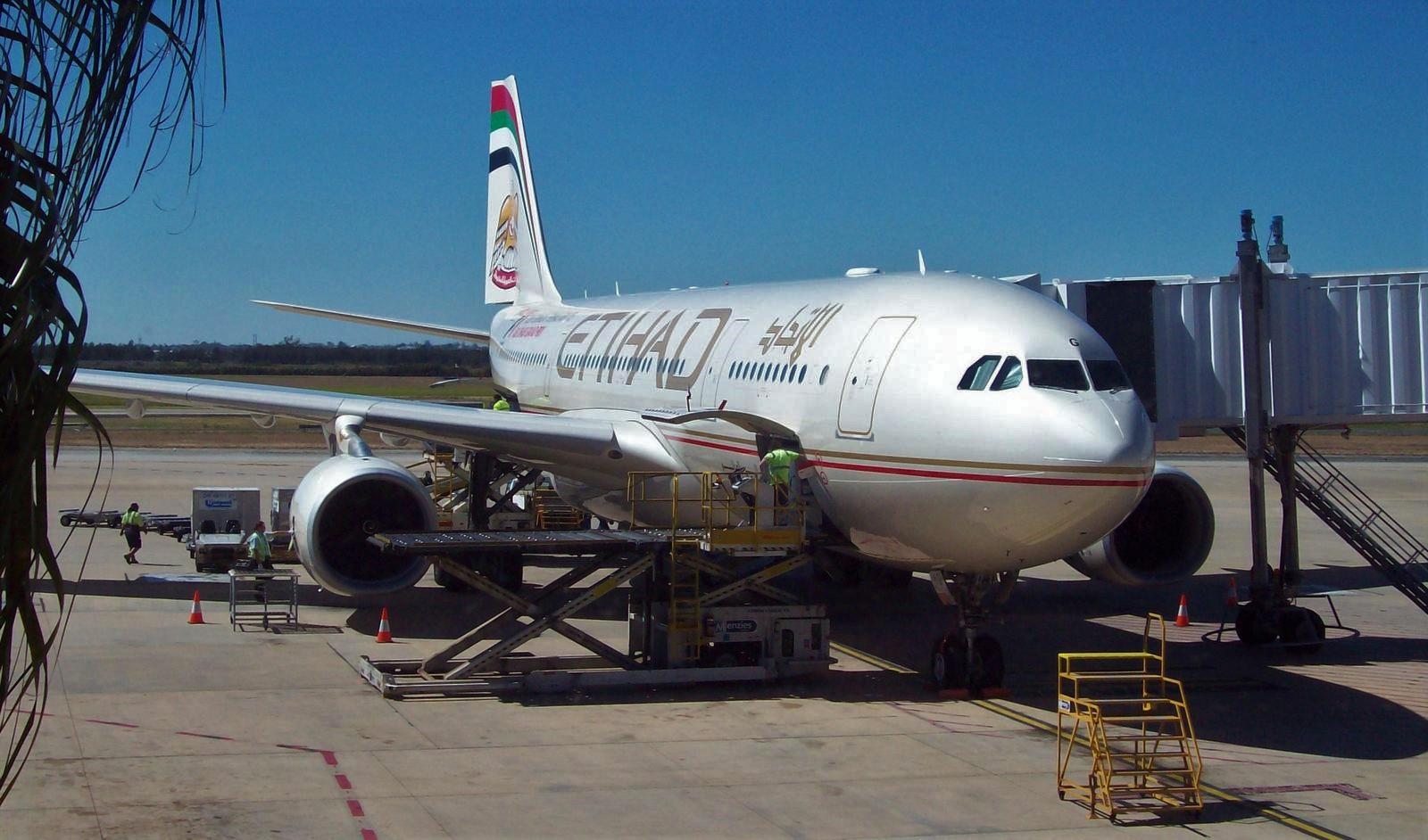 Etihad Flugzeug auf dem Flughafen in Brisbane