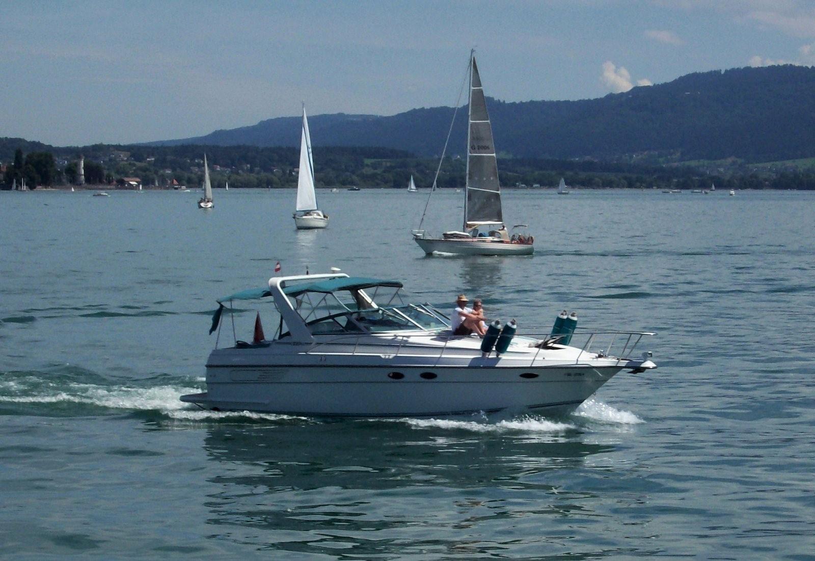 Motoryacht am Bodensee
