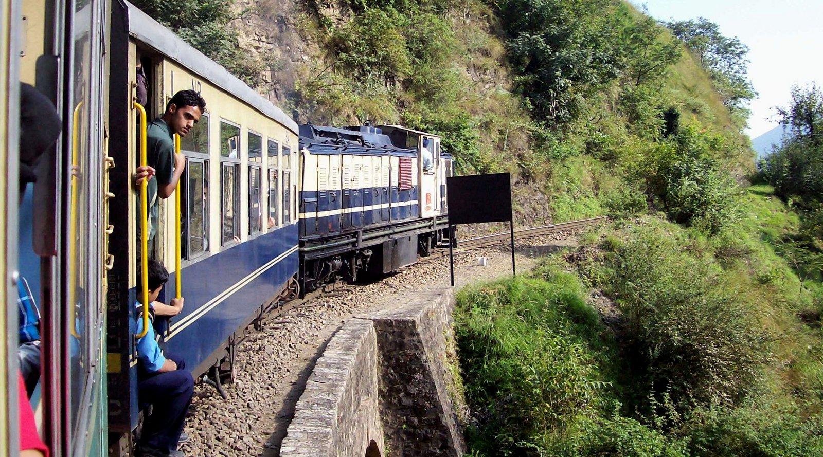 Kalka - Shimla - Bahn im Himalaya-Vorgebirge