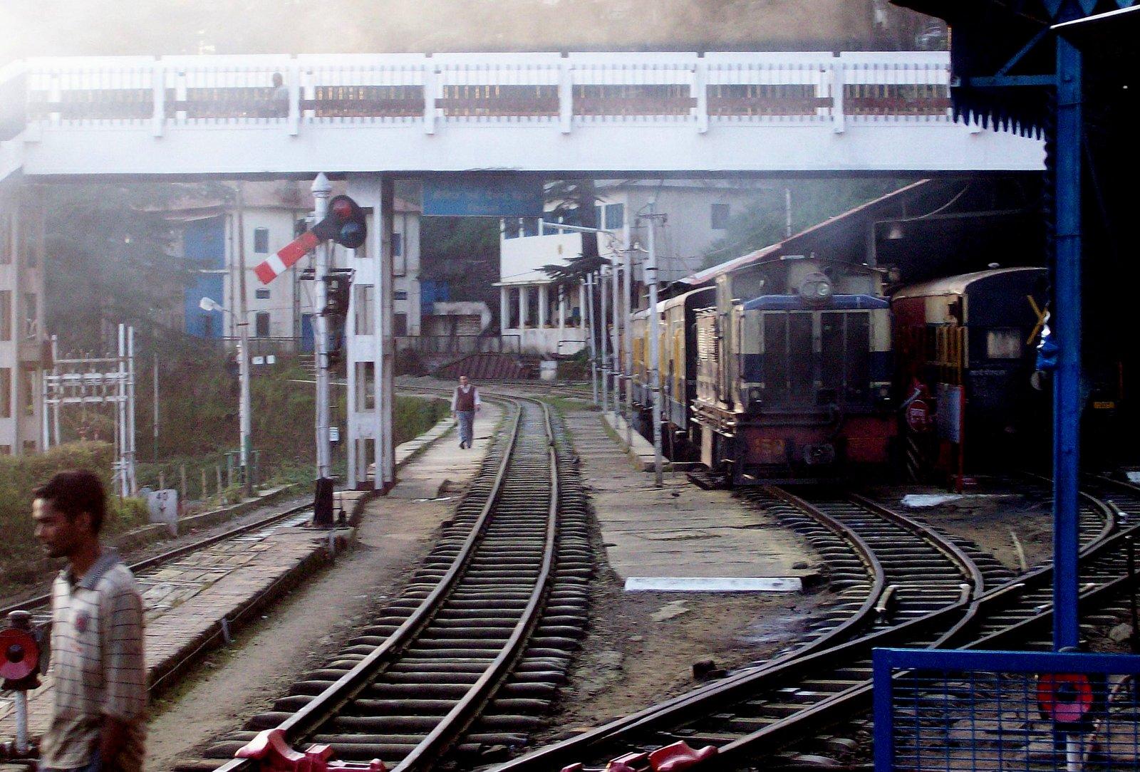 Kalka - Shimla Bahn - im Bahnhof Shimla