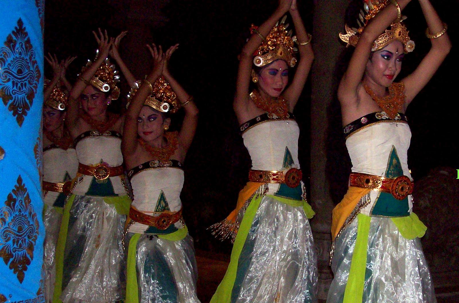 Matahari Beach Resort Bali - balinesische Tänze