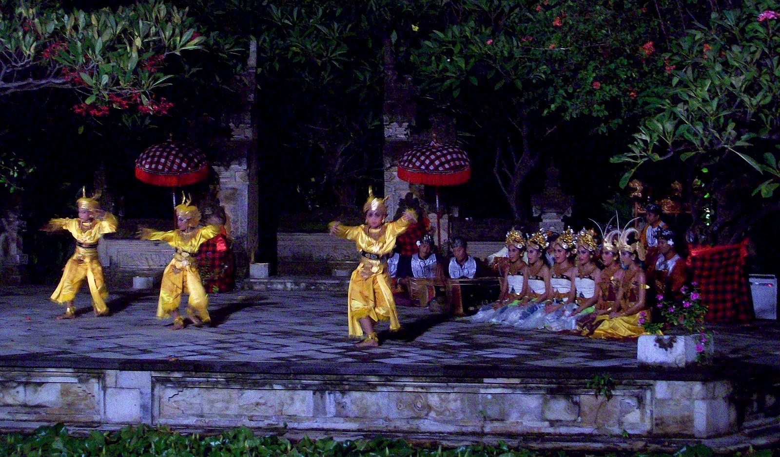 Matahai Beach Resort Bali - balinesische Tänze