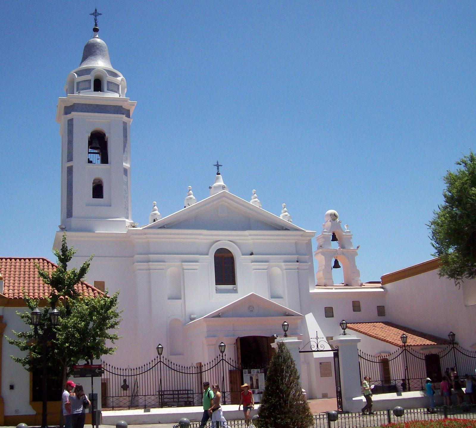 KircheUnserer Lieben Frau auf dem Pfeiler (del Pilar) - Buenos Aires