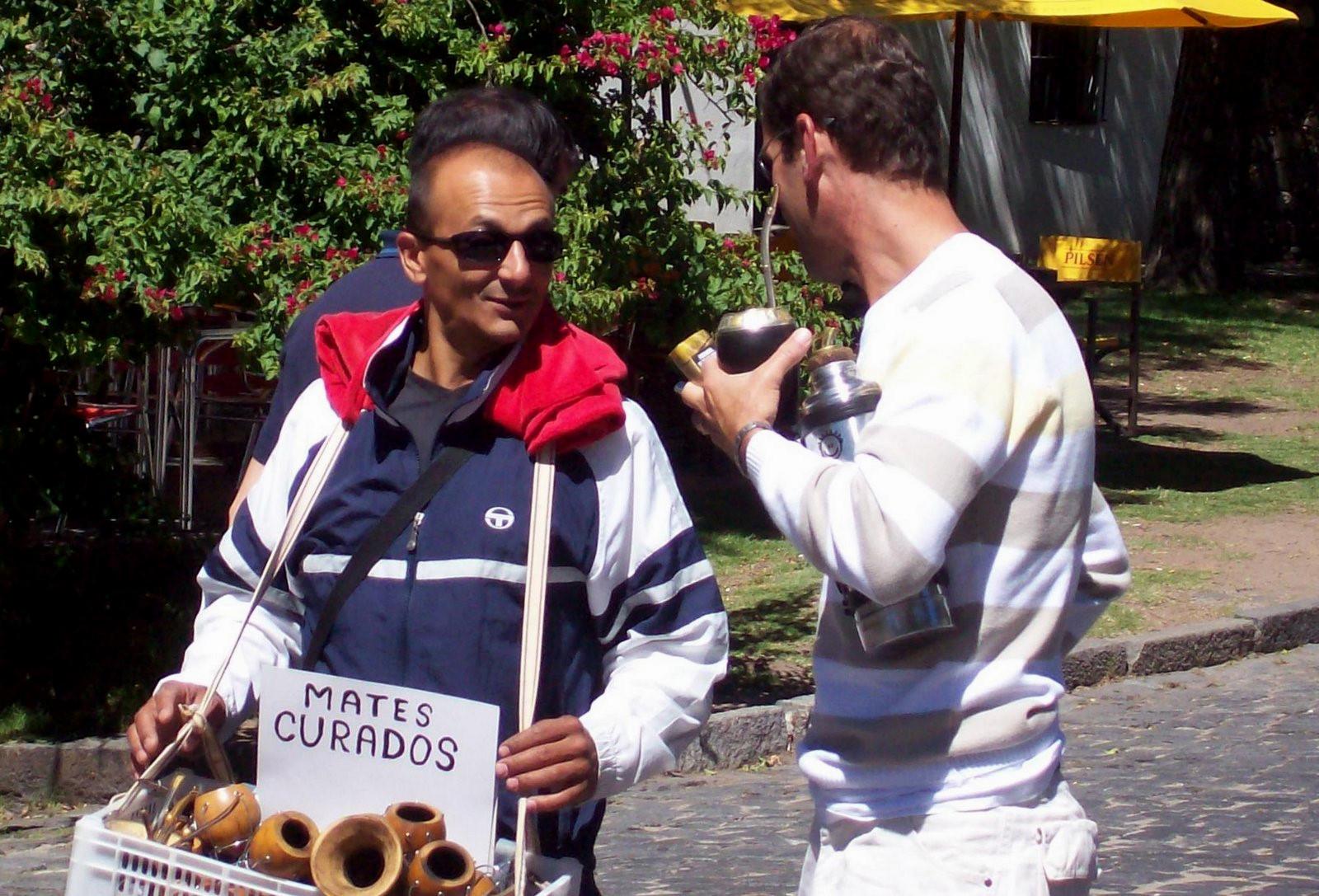 Verkäufer von Matetee in Uruguay