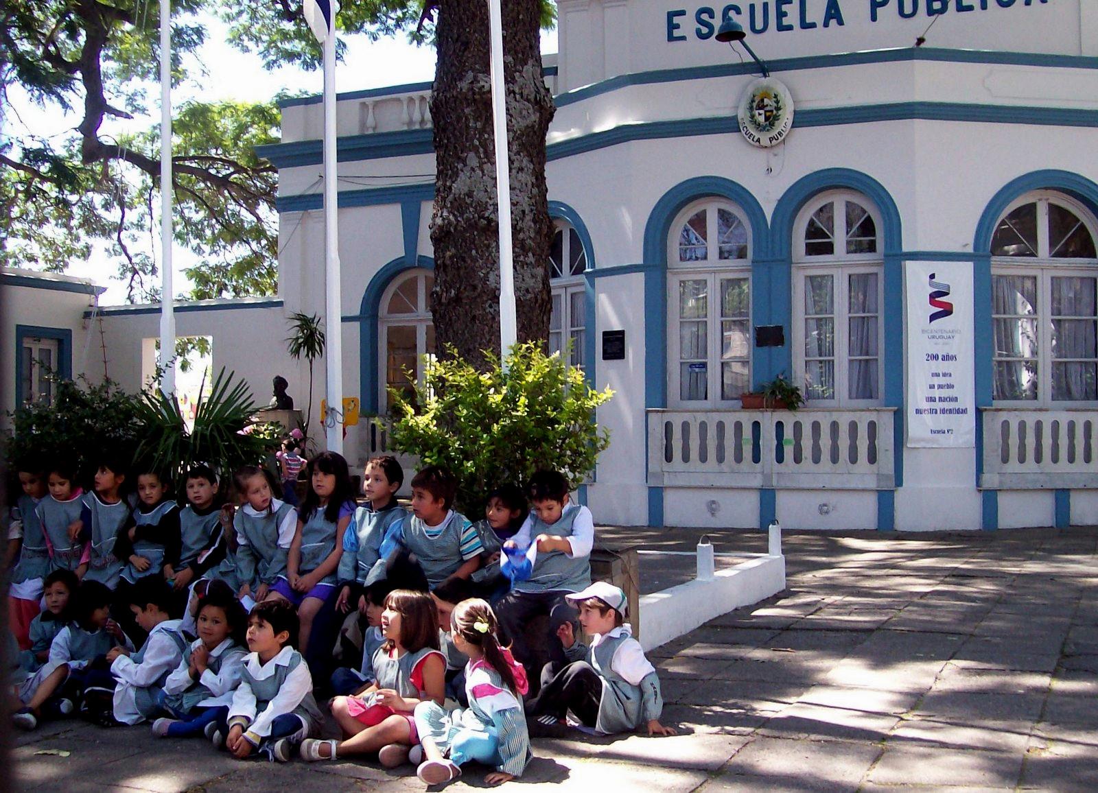Schule in Colonia del Sacramento am Rio de la Plata