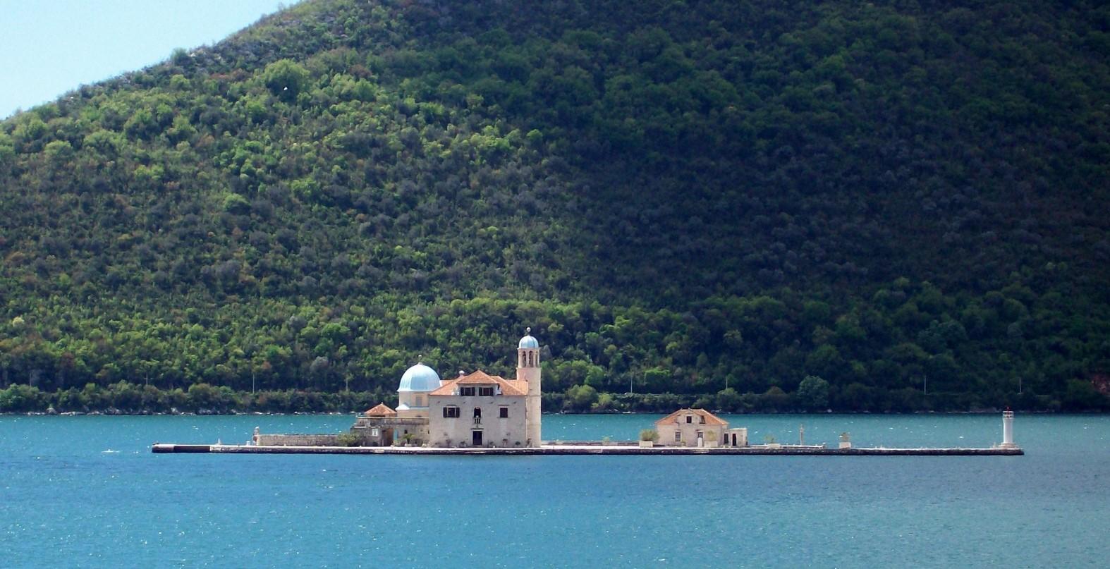 St. Mariäe vom Felsen - Bucht von Kotor in Montenegro