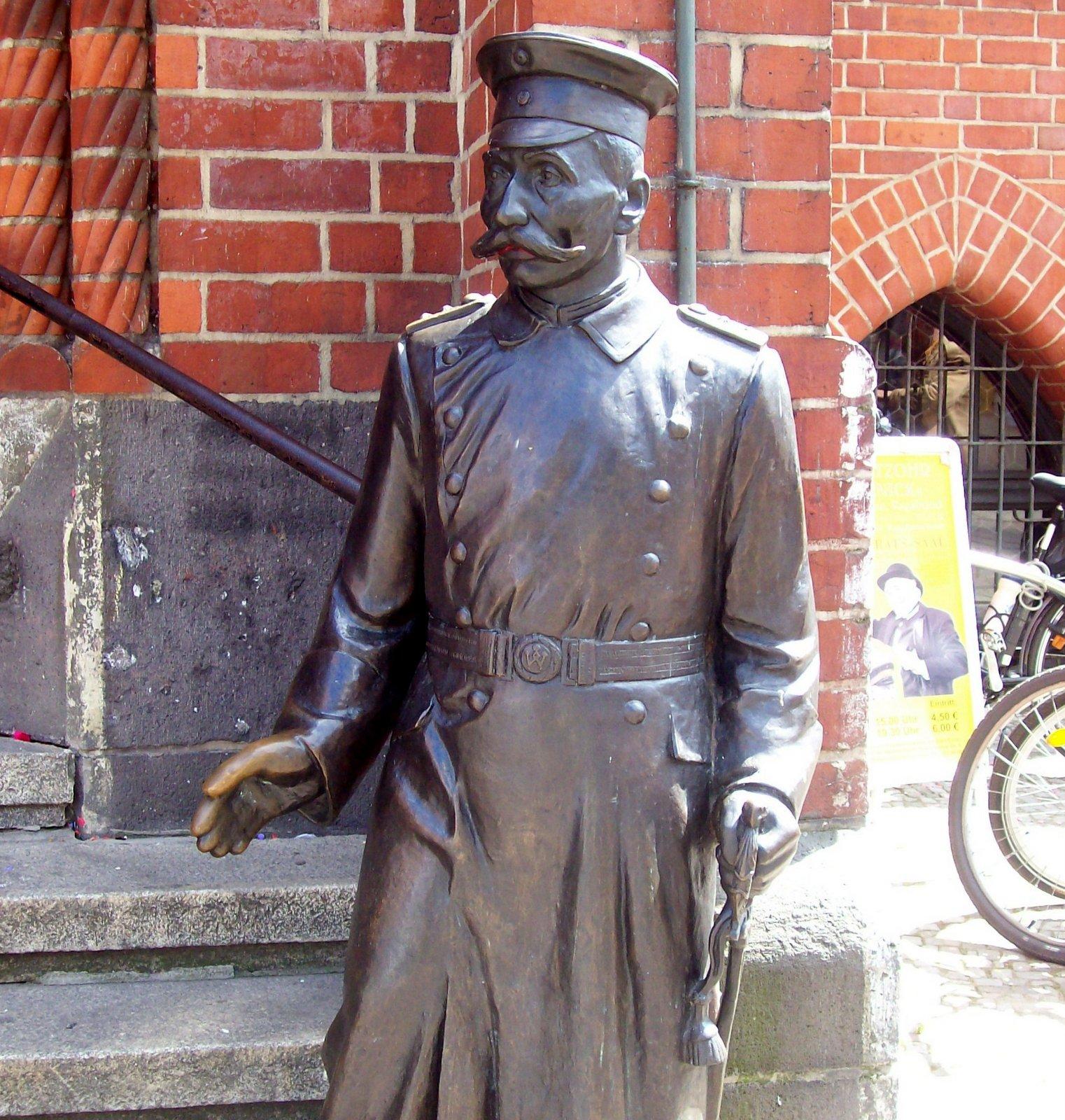 Denkmal Hauptmann von Köpenik